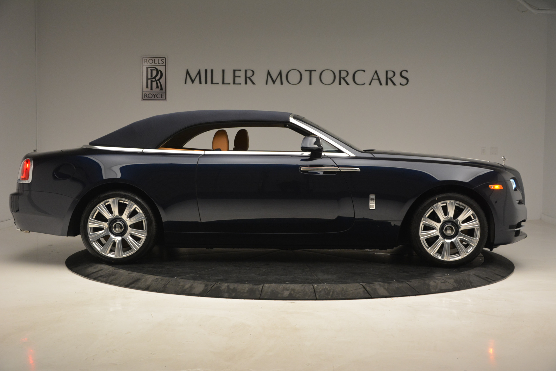 New 2017 Rolls-Royce Dawn  For Sale In Greenwich, CT 939_p21