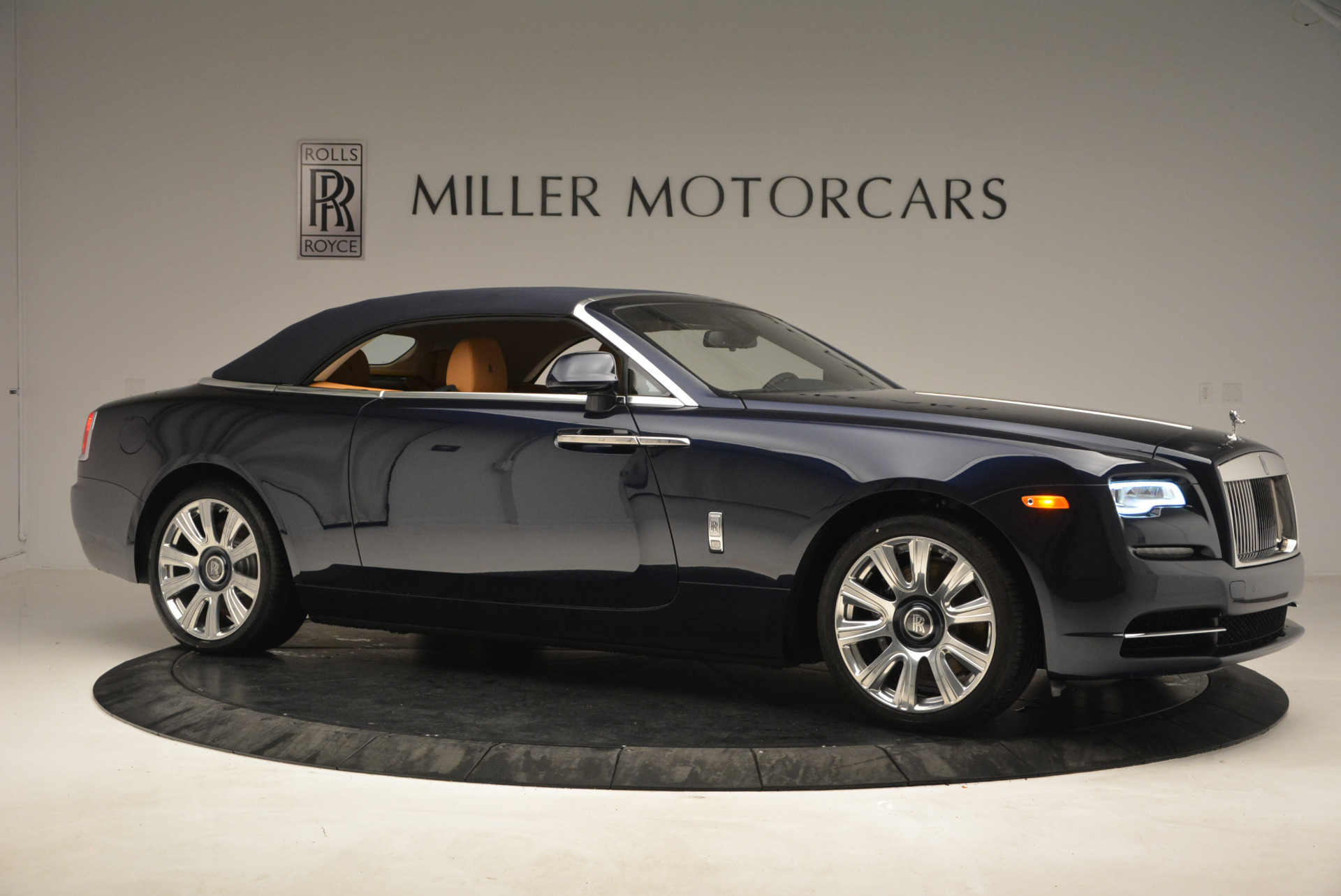 New 2017 Rolls-Royce Dawn  For Sale In Greenwich, CT 939_p22