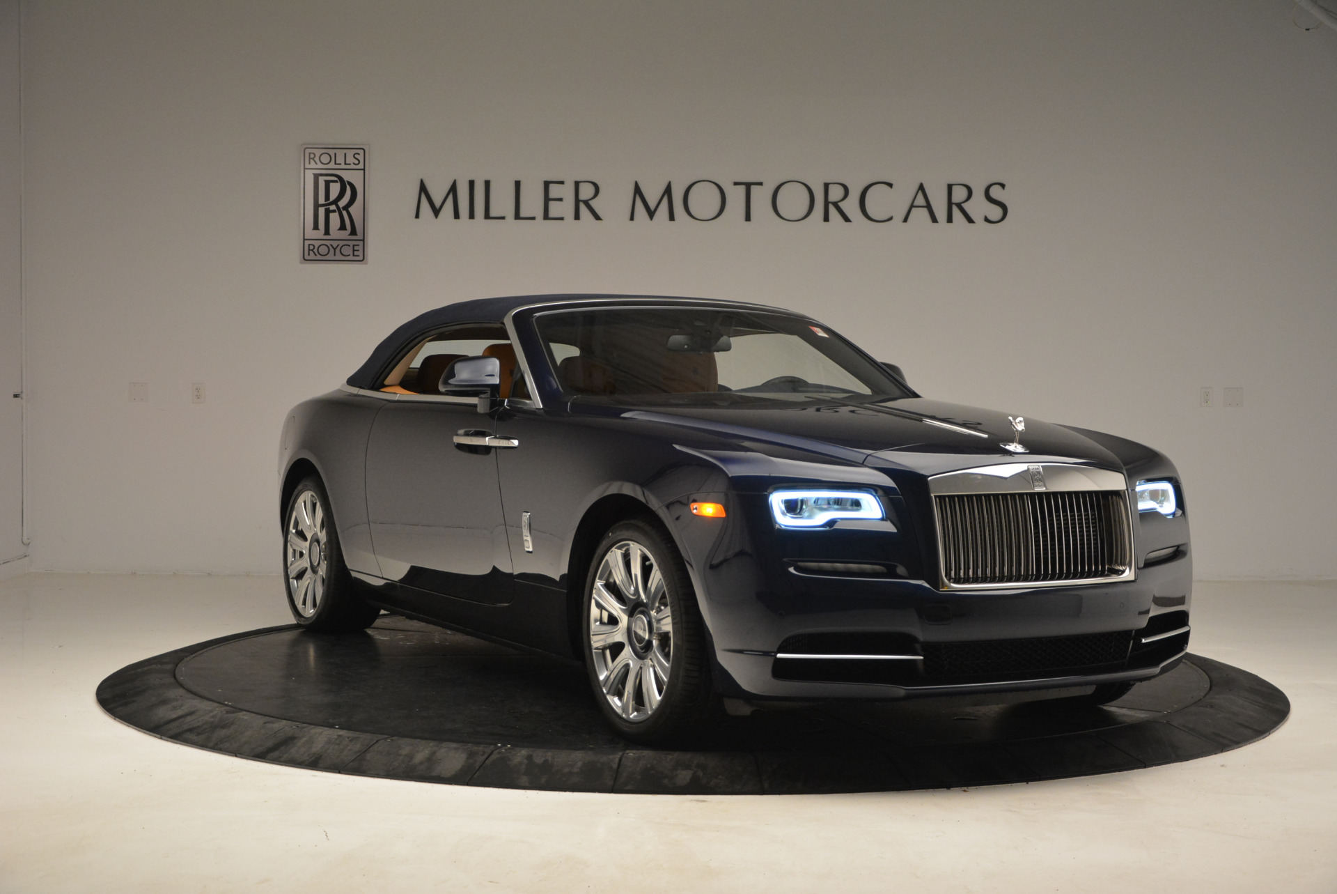New 2017 Rolls-Royce Dawn  For Sale In Greenwich, CT 939_p23