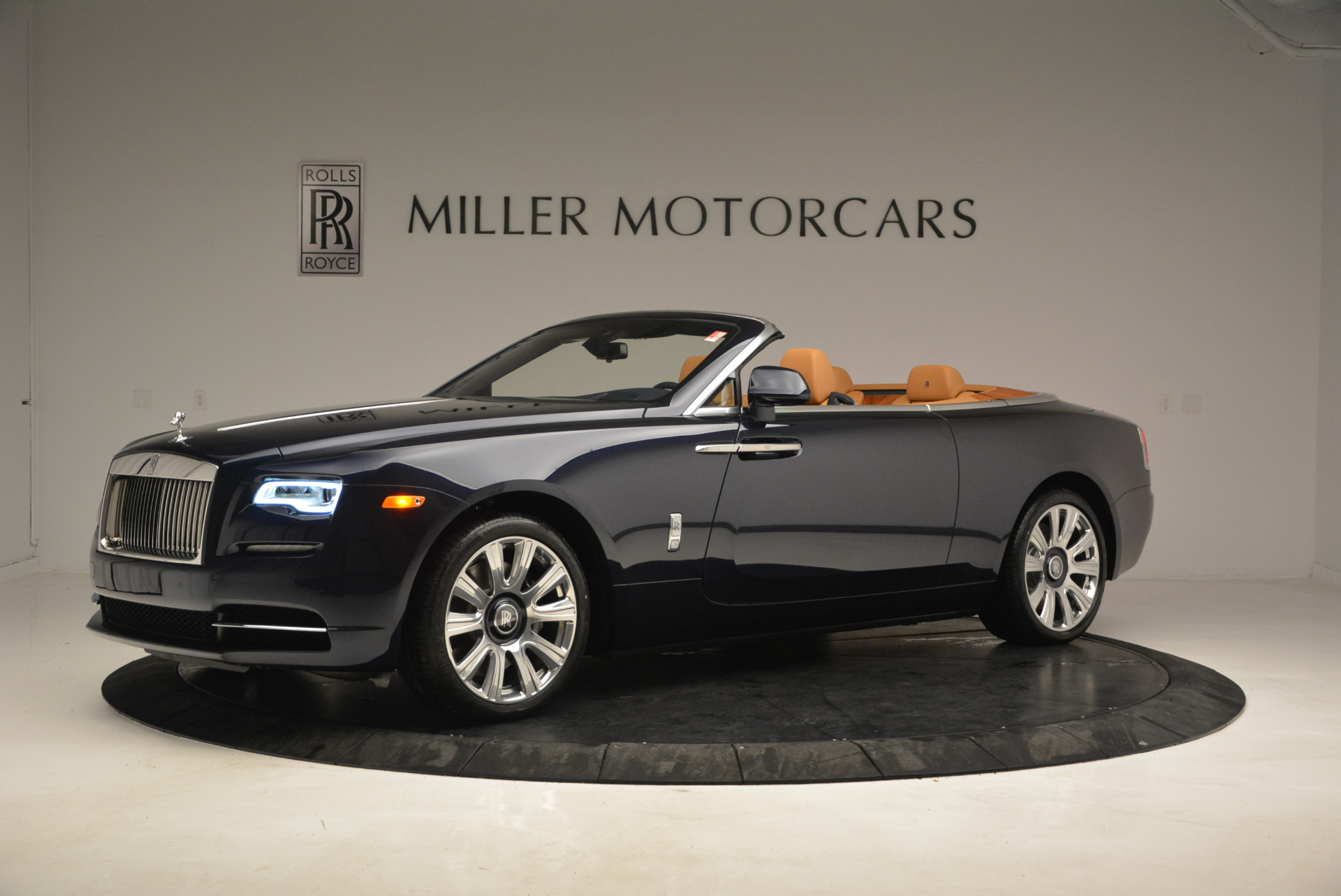 New 2017 Rolls-Royce Dawn  For Sale In Greenwich, CT 939_p2