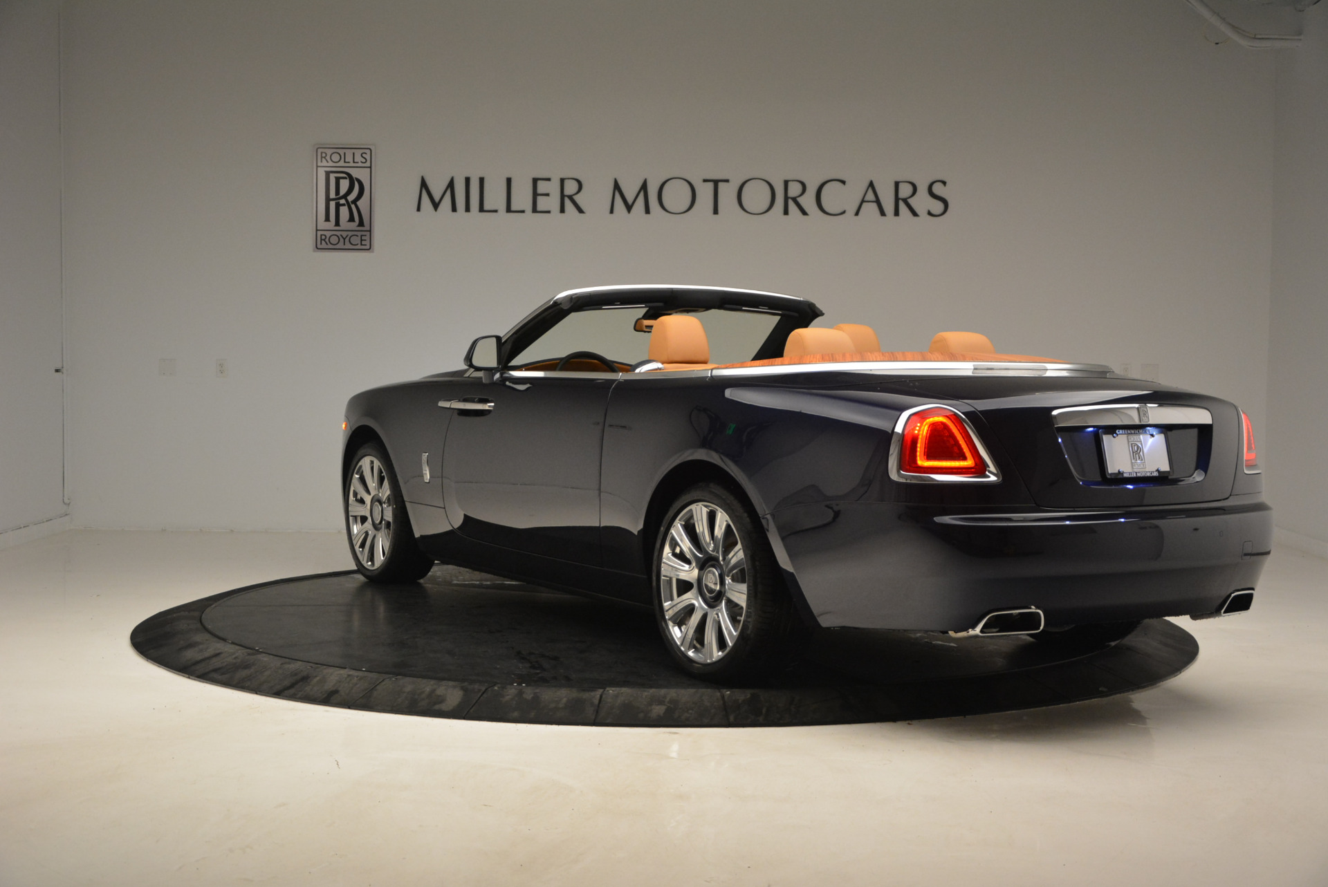 New 2017 Rolls-Royce Dawn  For Sale In Greenwich, CT 939_p5