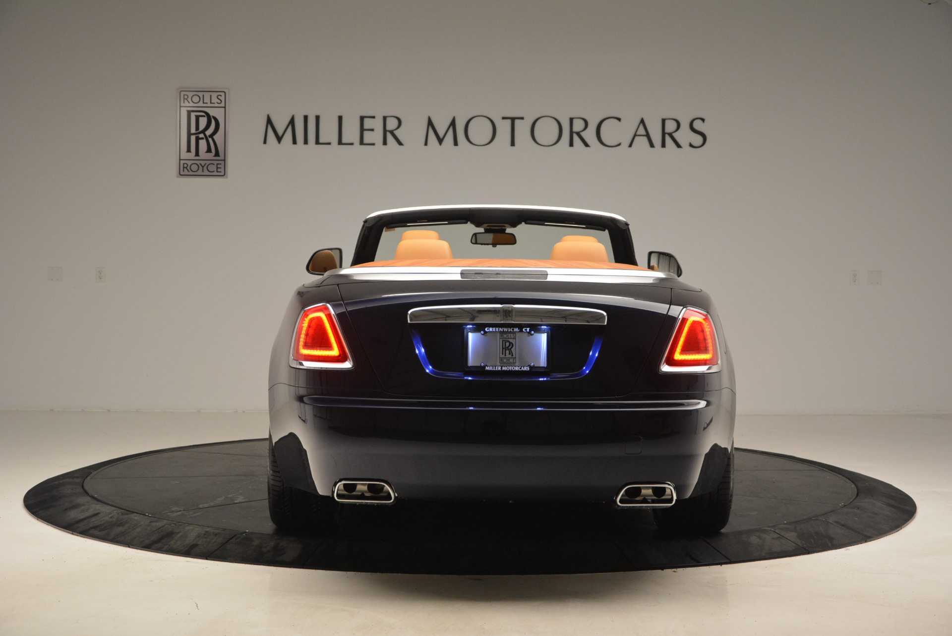 New 2017 Rolls-Royce Dawn  For Sale In Greenwich, CT 939_p6