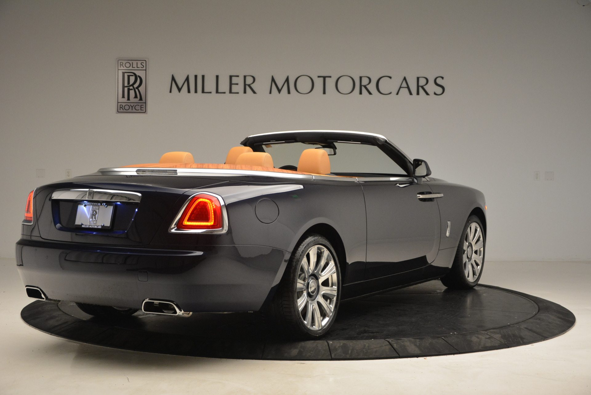 New 2017 Rolls-Royce Dawn  For Sale In Greenwich, CT 939_p7
