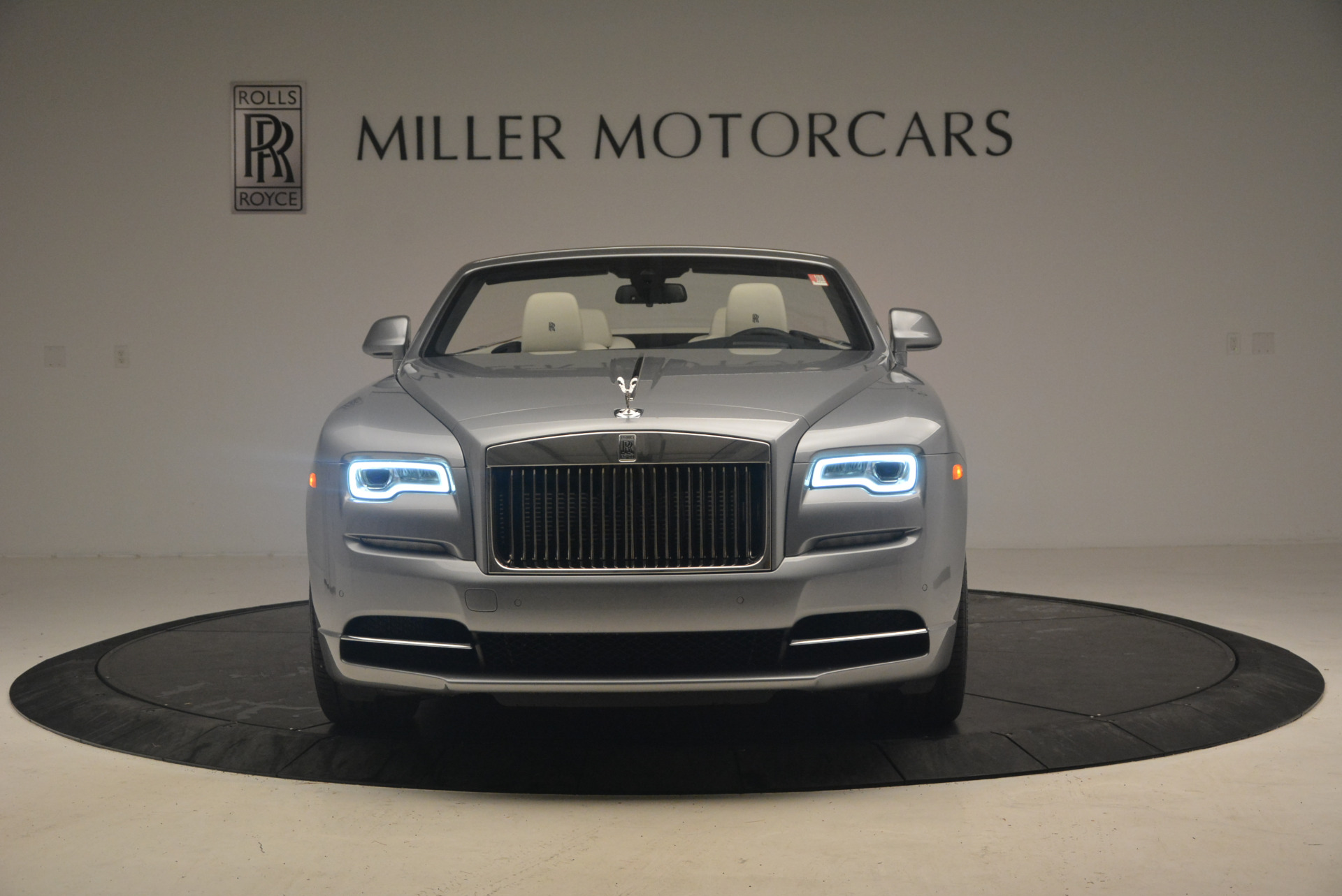 Used 2017 Rolls-Royce Dawn  For Sale In Greenwich, CT 940_p12