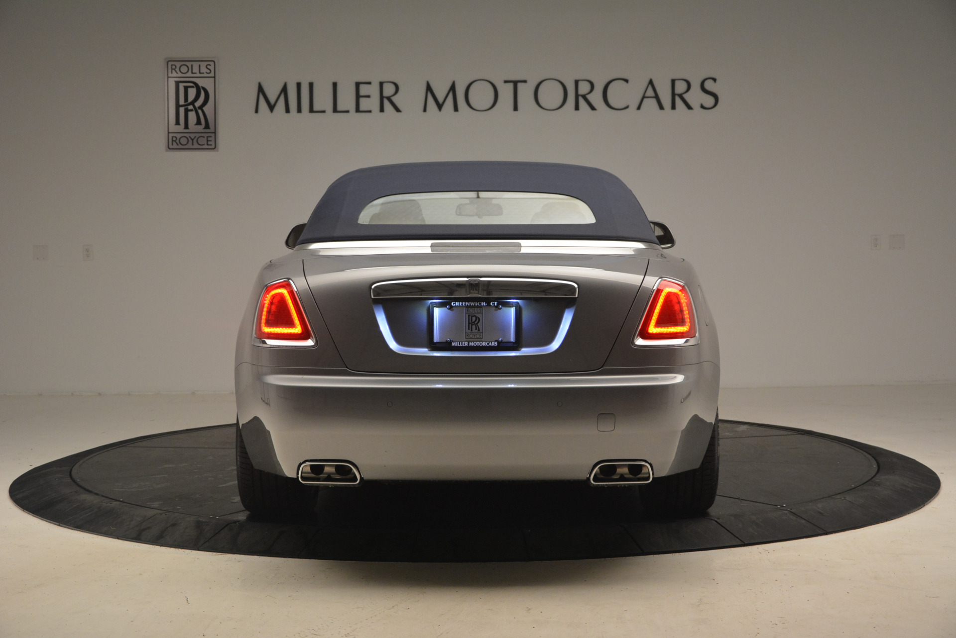 Used 2017 Rolls-Royce Dawn  For Sale In Greenwich, CT 940_p18