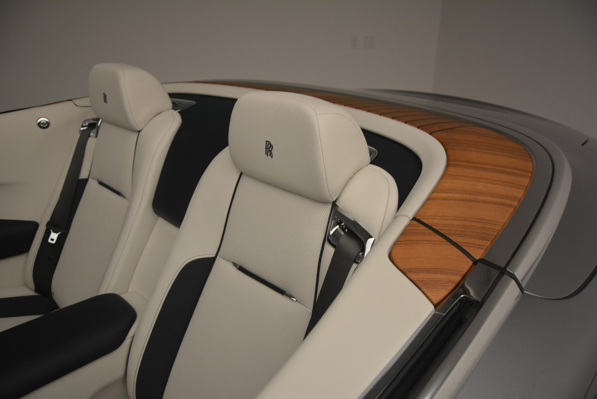 Used 2017 Rolls-Royce Dawn  For Sale In Greenwich, CT 940_p31