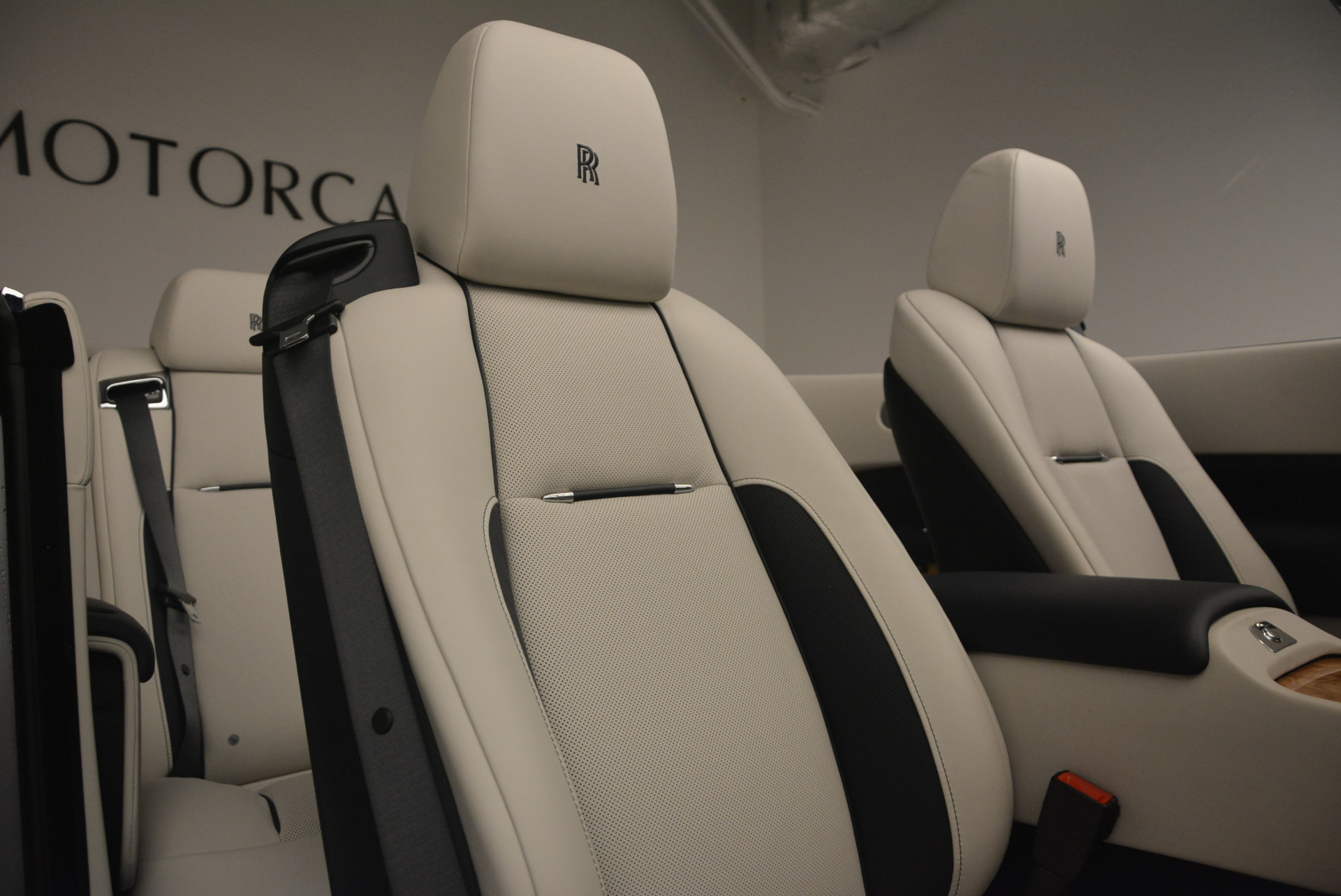Used 2017 Rolls-Royce Dawn  For Sale In Greenwich, CT 940_p34