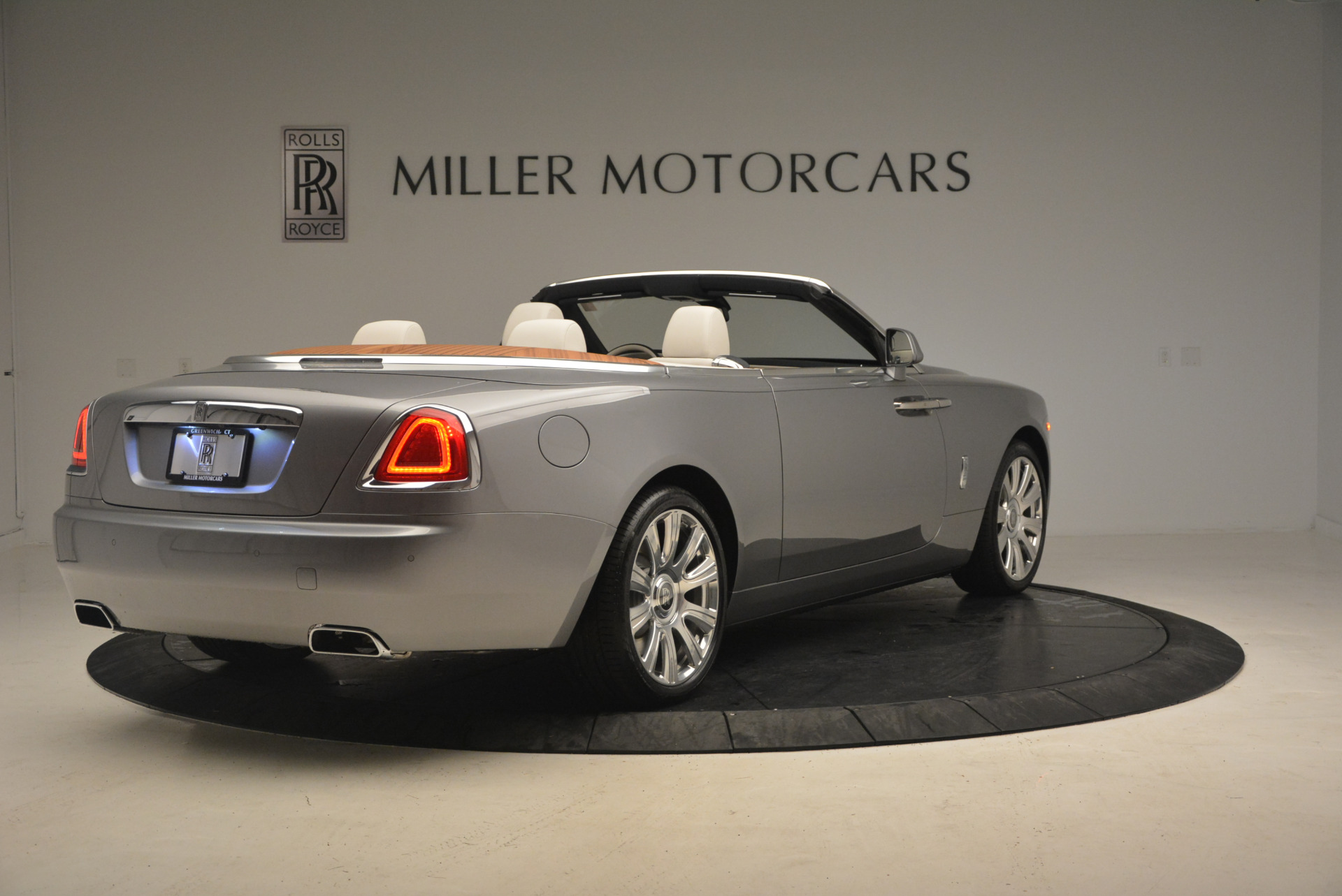 Used 2017 Rolls-Royce Dawn  For Sale In Greenwich, CT 940_p7