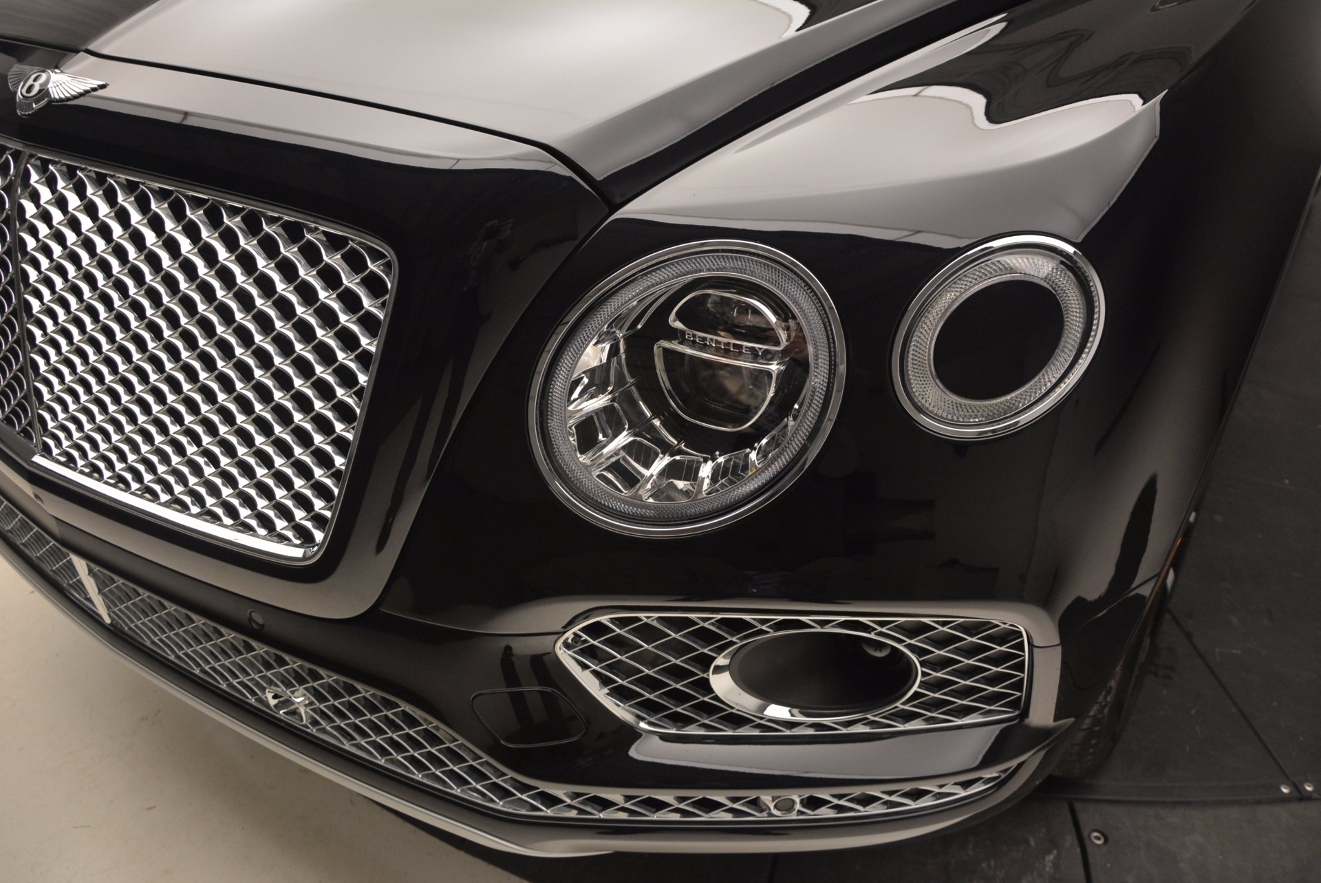 New 2017 Bentley Bentayga  For Sale In Greenwich, CT 941_p14