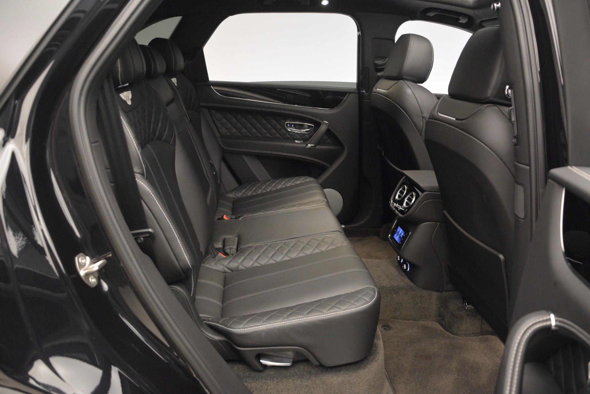 New 2017 Bentley Bentayga  For Sale In Greenwich, CT 941_p34