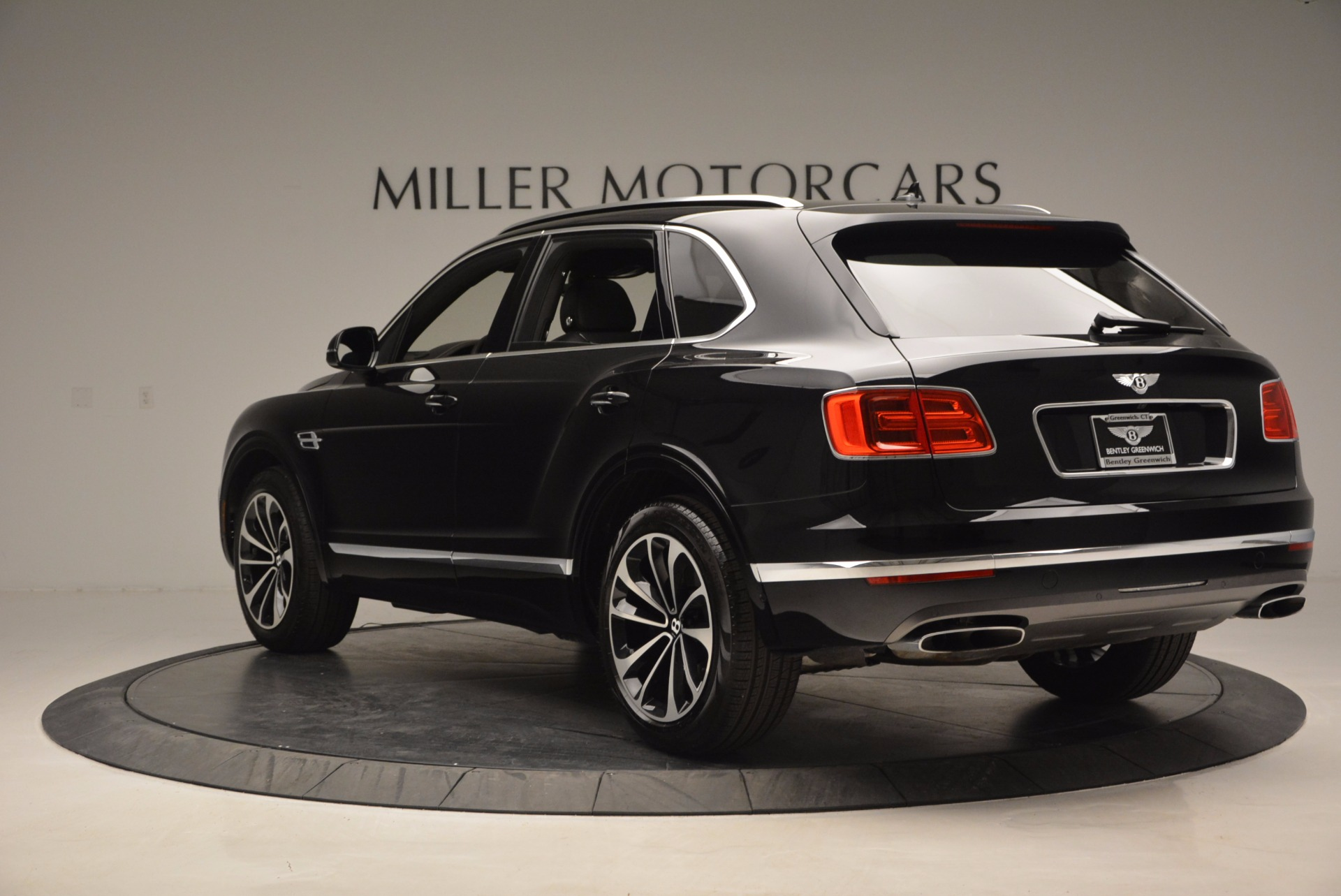 New 2017 Bentley Bentayga  For Sale In Greenwich, CT 941_p5