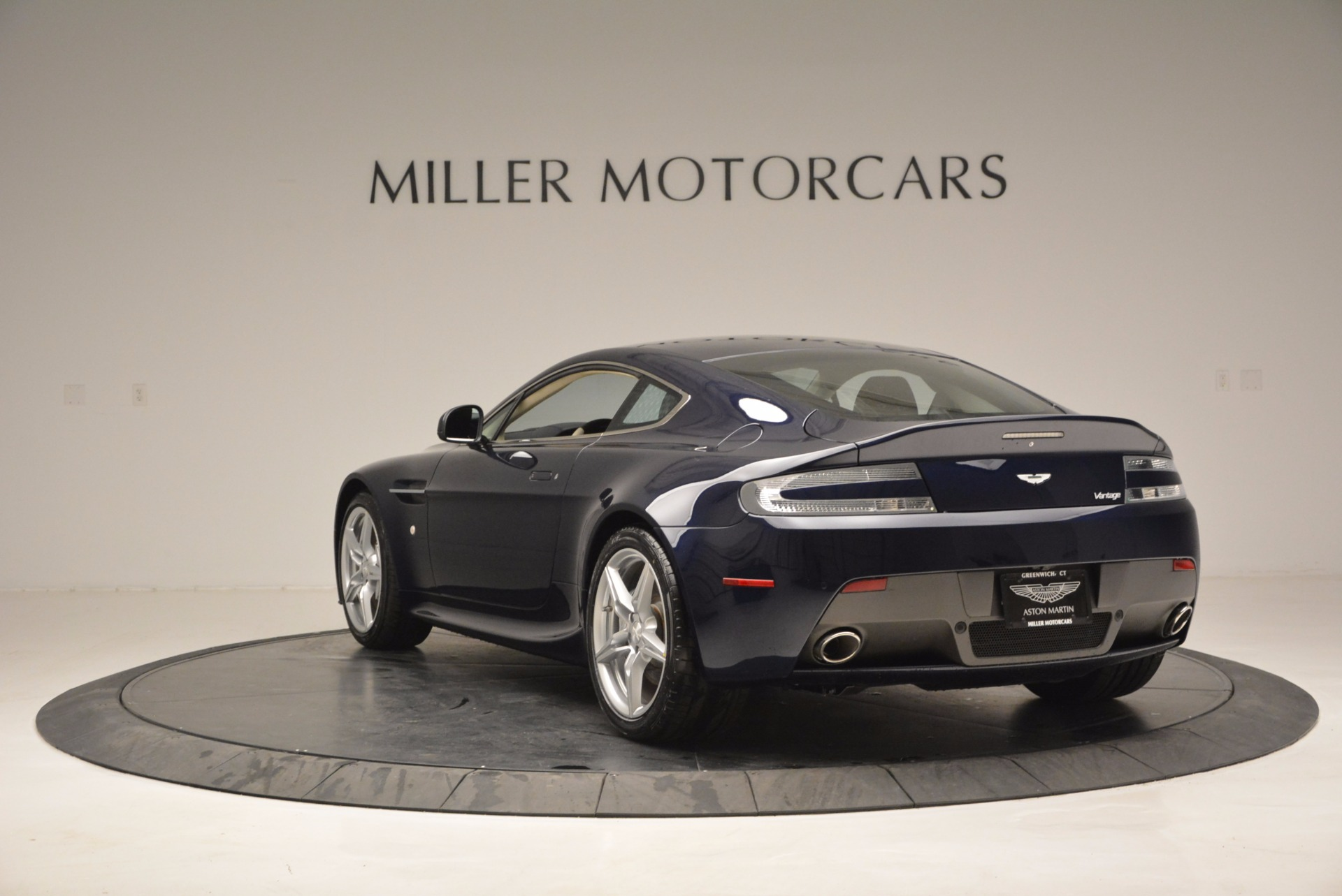 Used 2016 Aston Martin V8 Vantage  For Sale In Greenwich, CT 942_p5