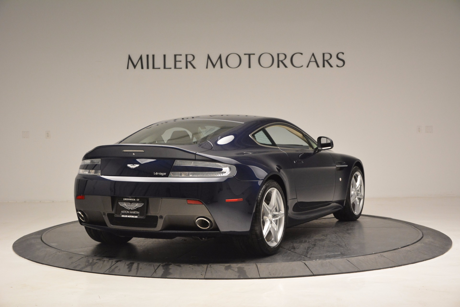 Used 2016 Aston Martin V8 Vantage  For Sale In Greenwich, CT 942_p7