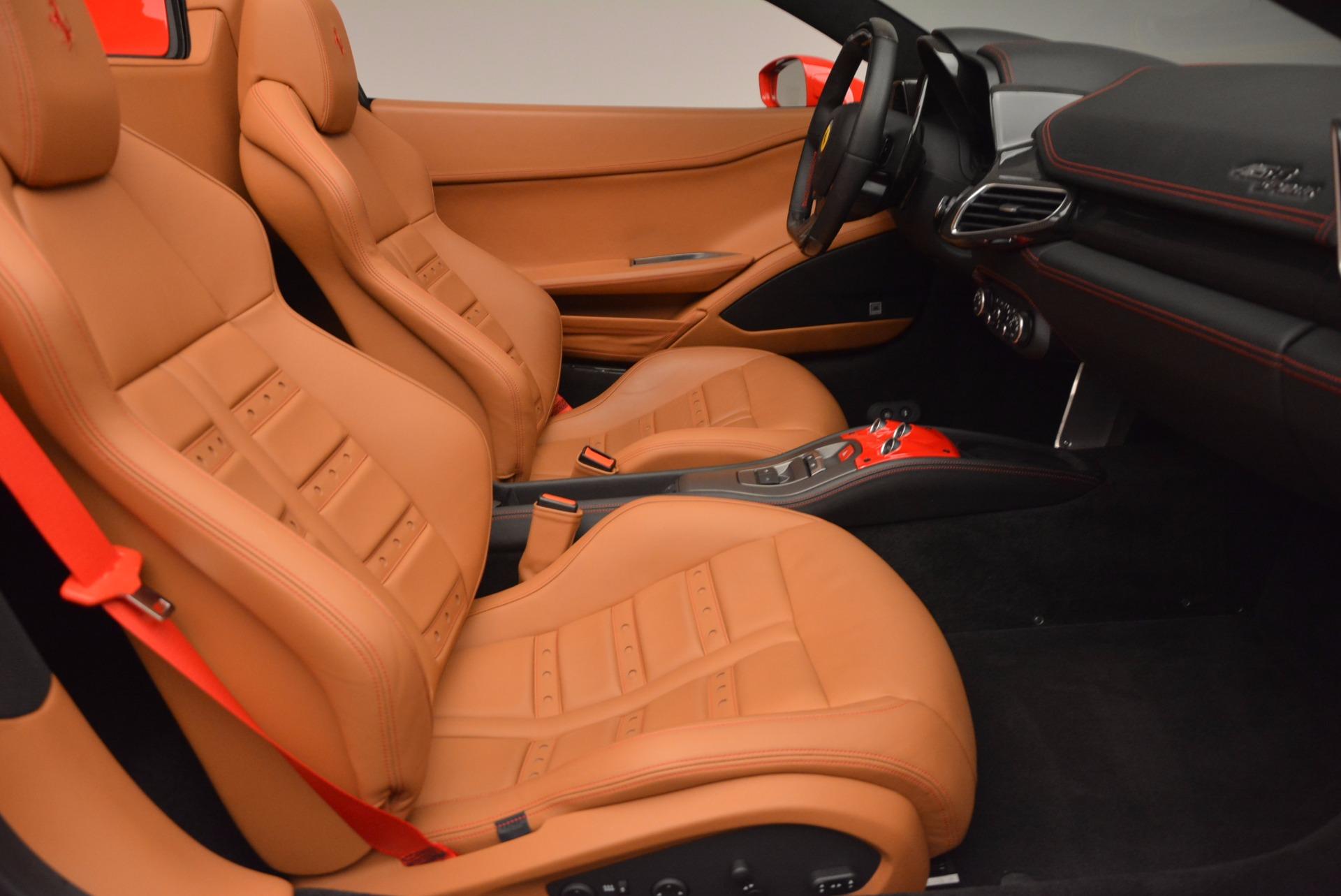 Used 2014 Ferrari 458 Spider  For Sale In Greenwich, CT 952_p30
