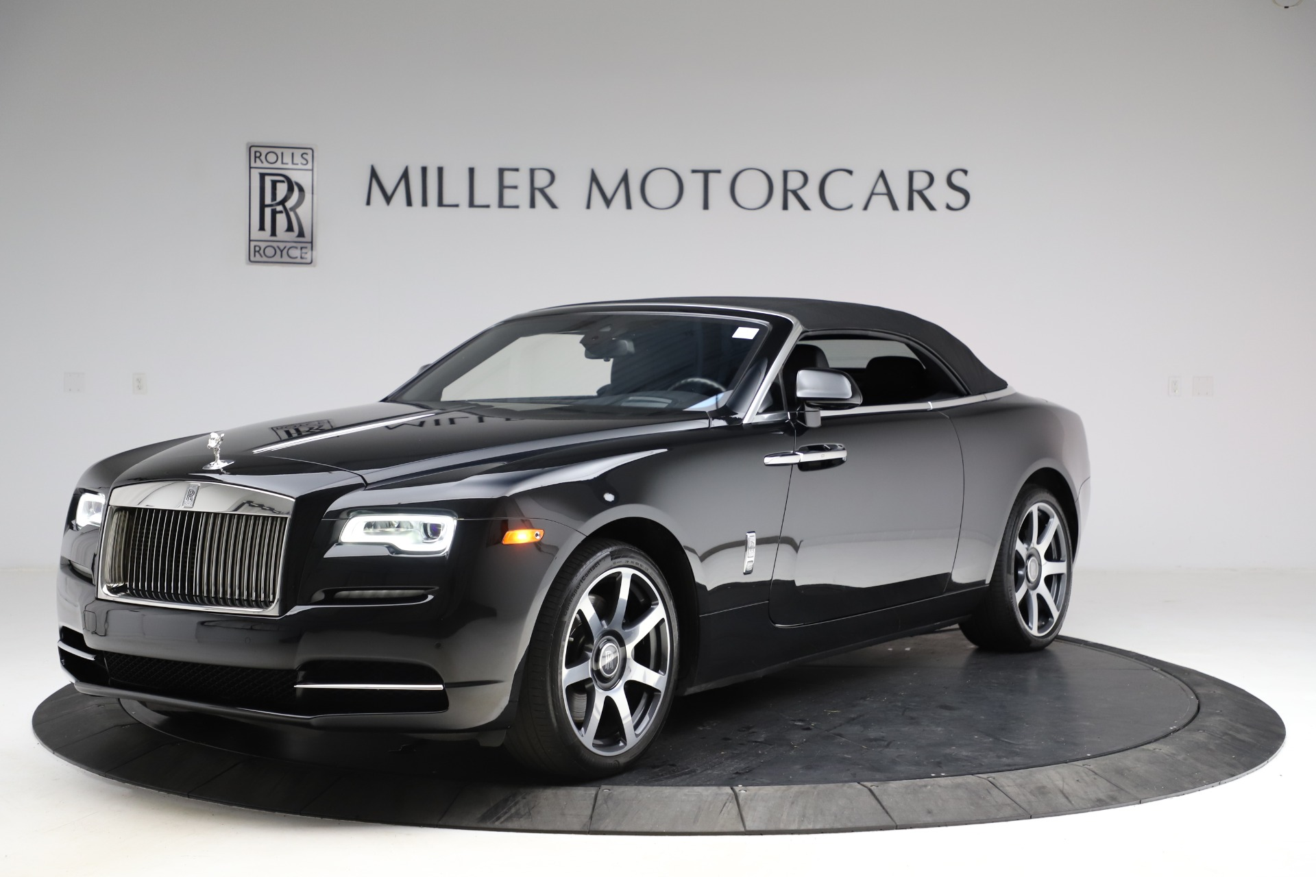 New 2017 Rolls-Royce Dawn  For Sale In Greenwich, CT 955_p16