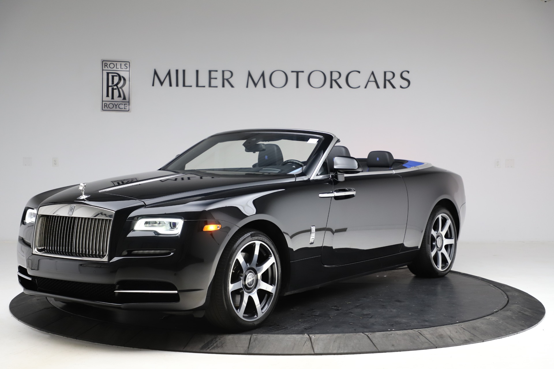 New 2017 Rolls-Royce Dawn  For Sale In Greenwich, CT 955_p3