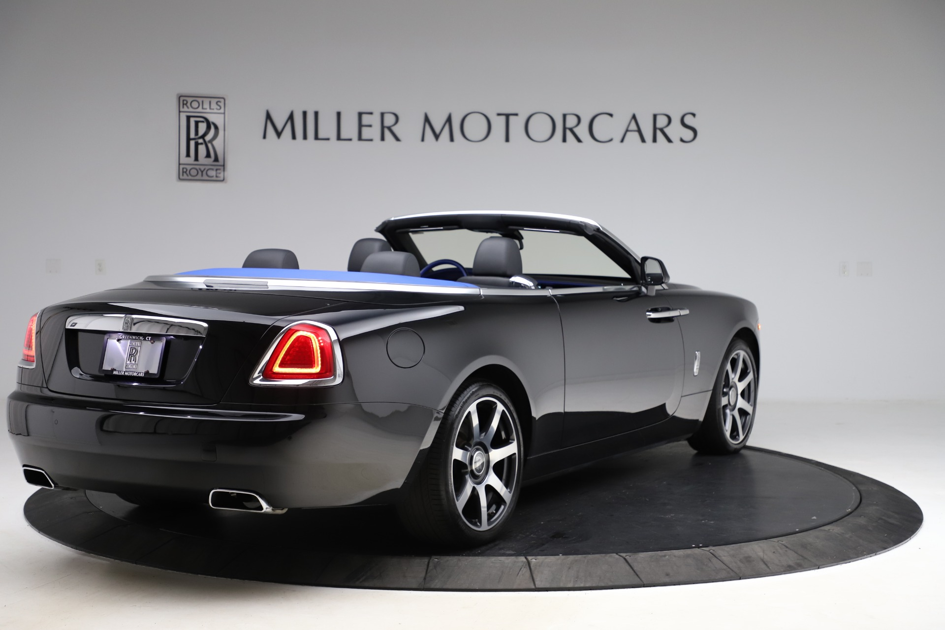 New 2017 Rolls-Royce Dawn  For Sale In Greenwich, CT 955_p9