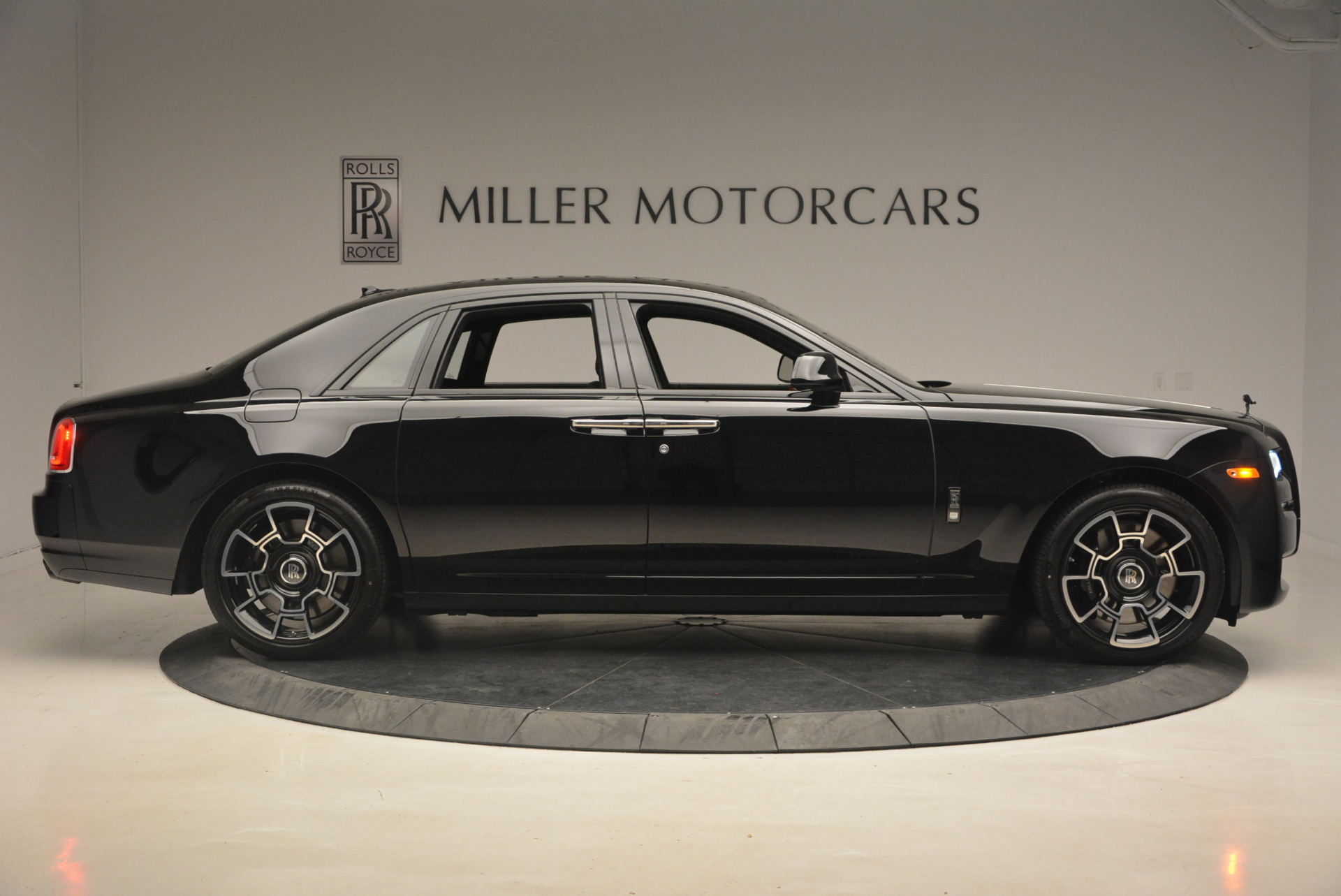 New 2017 Rolls-Royce Ghost Black Badge For Sale In Greenwich, CT 958_p12
