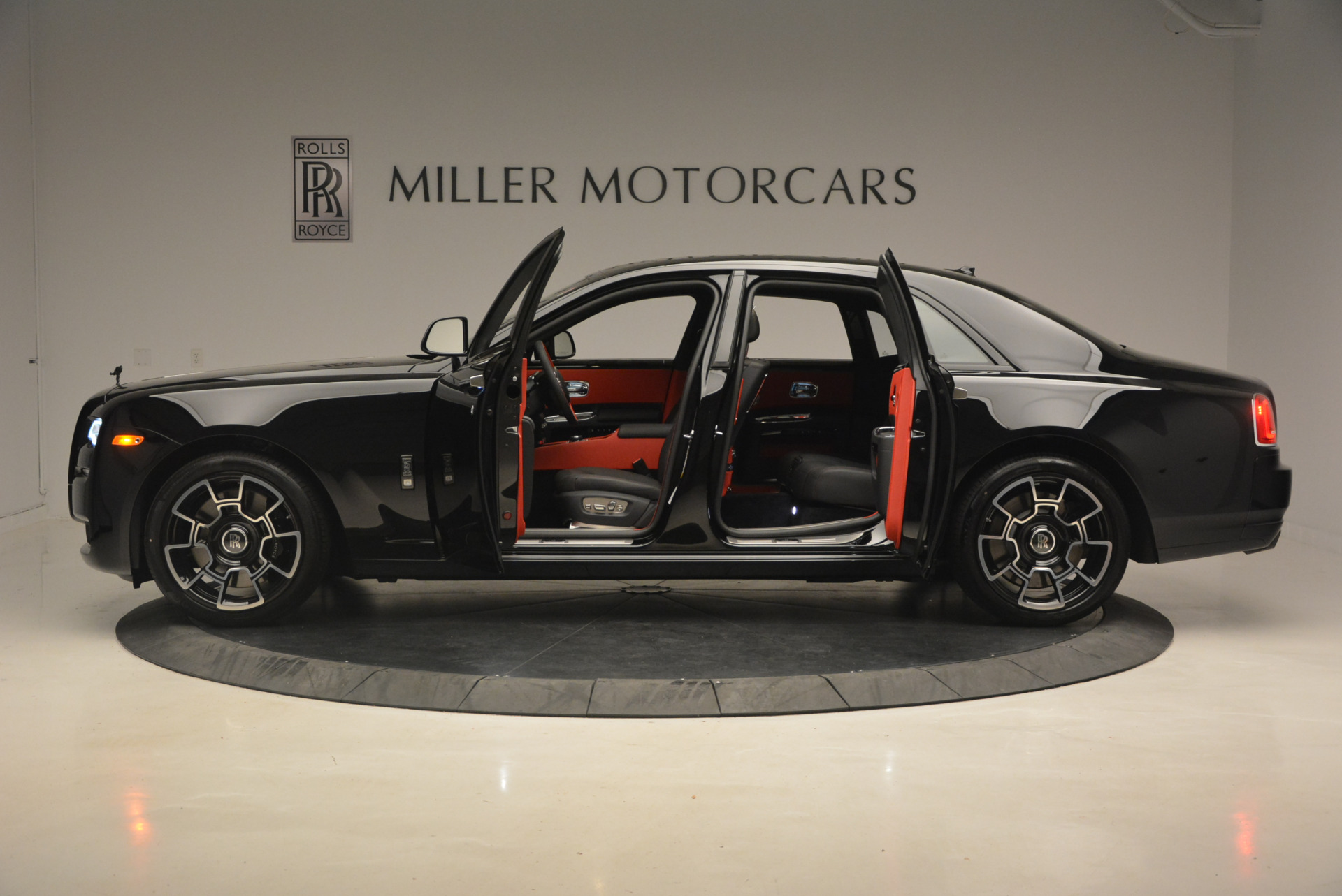 New 2017 Rolls-Royce Ghost Black Badge For Sale In Greenwich, CT 958_p4