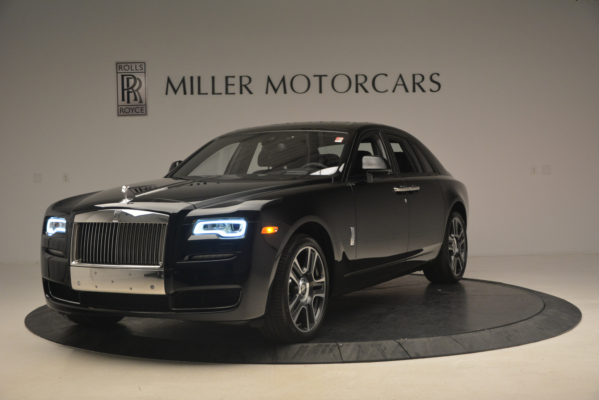 New 2017 Rolls-Royce Ghost  For Sale In Greenwich, CT 963_main