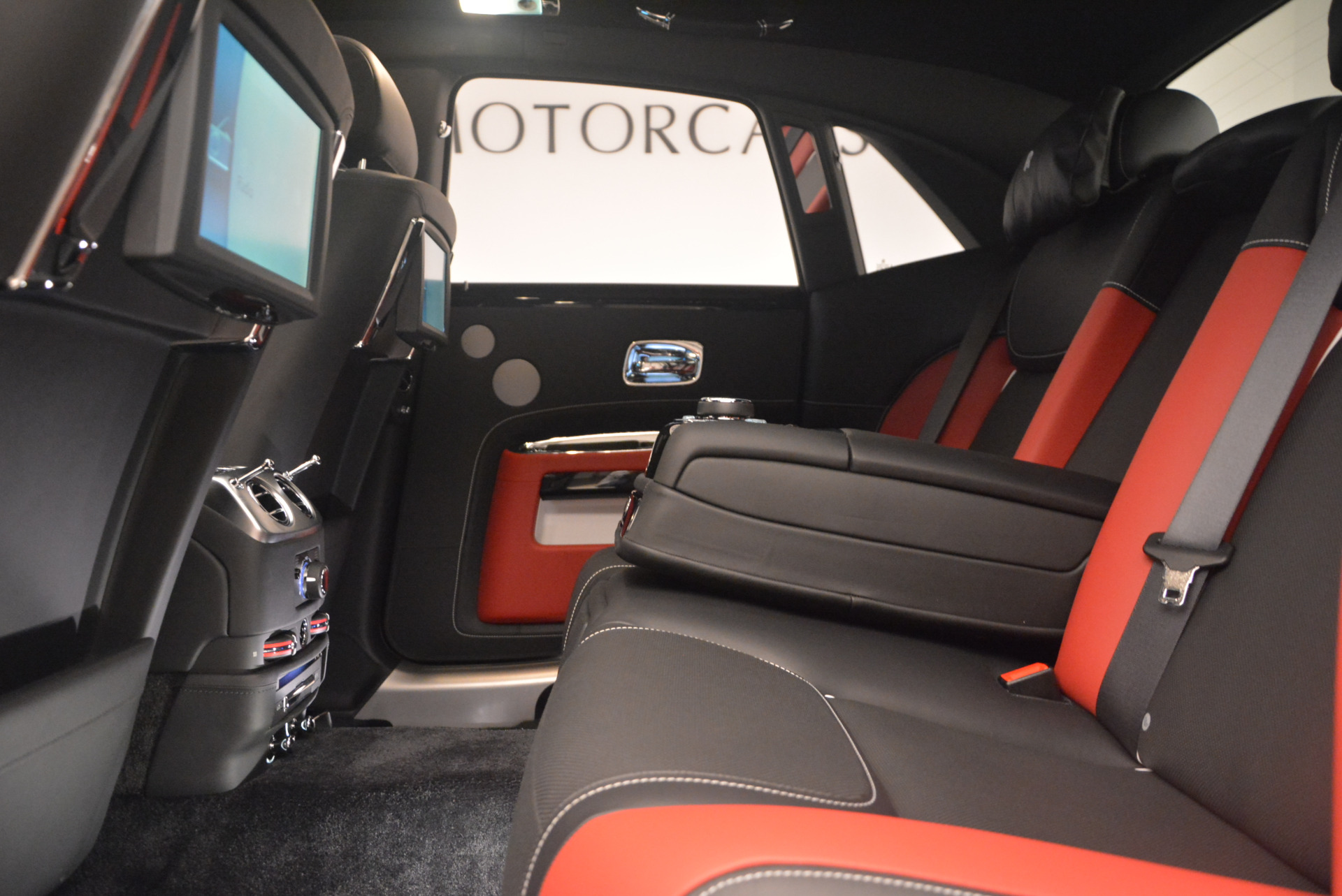 New 2017 Rolls-Royce Ghost  For Sale In Greenwich, CT 963_p26