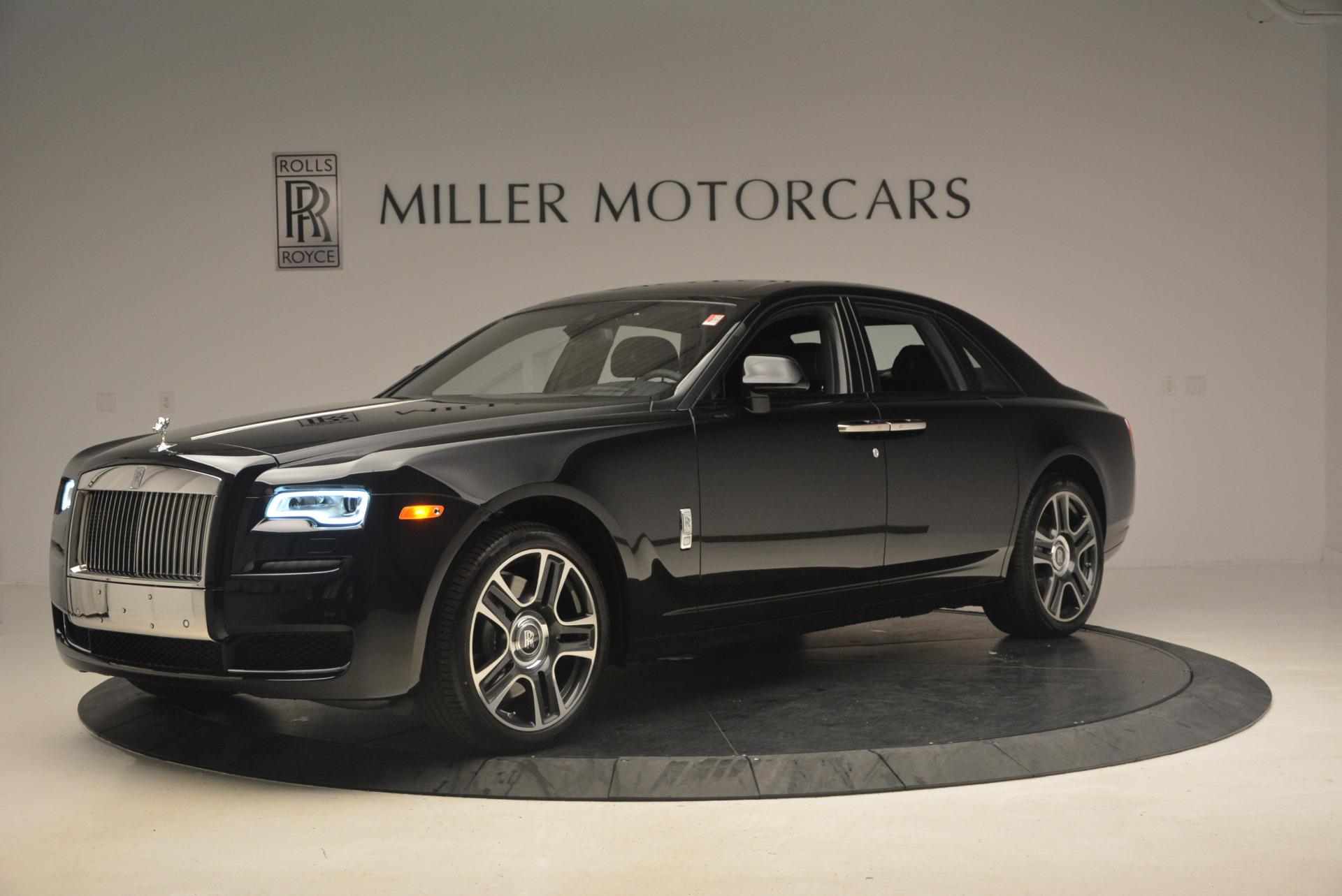 New 2017 Rolls-Royce Ghost  For Sale In Greenwich, CT 963_p2