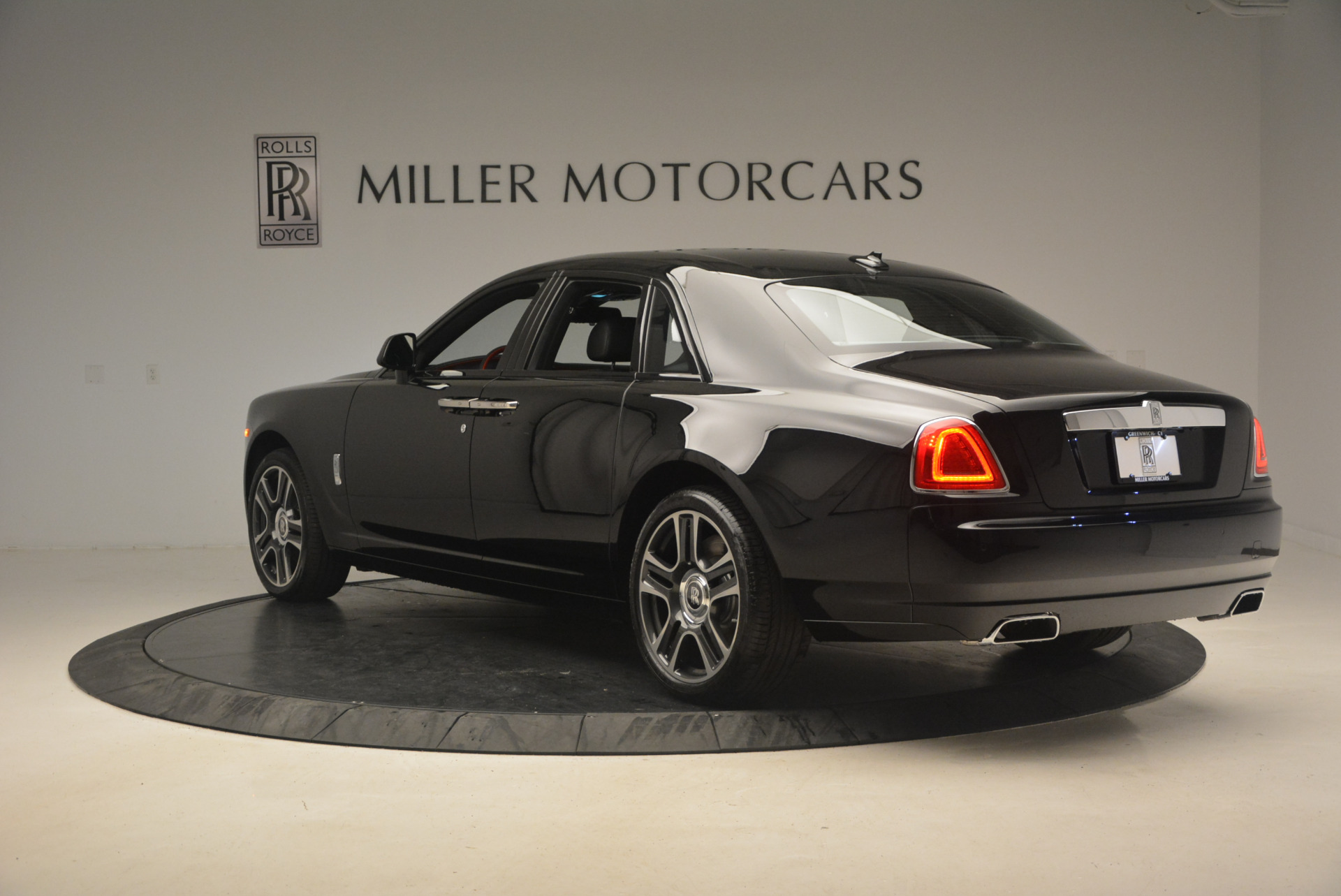 New 2017 Rolls-Royce Ghost  For Sale In Greenwich, CT 963_p5