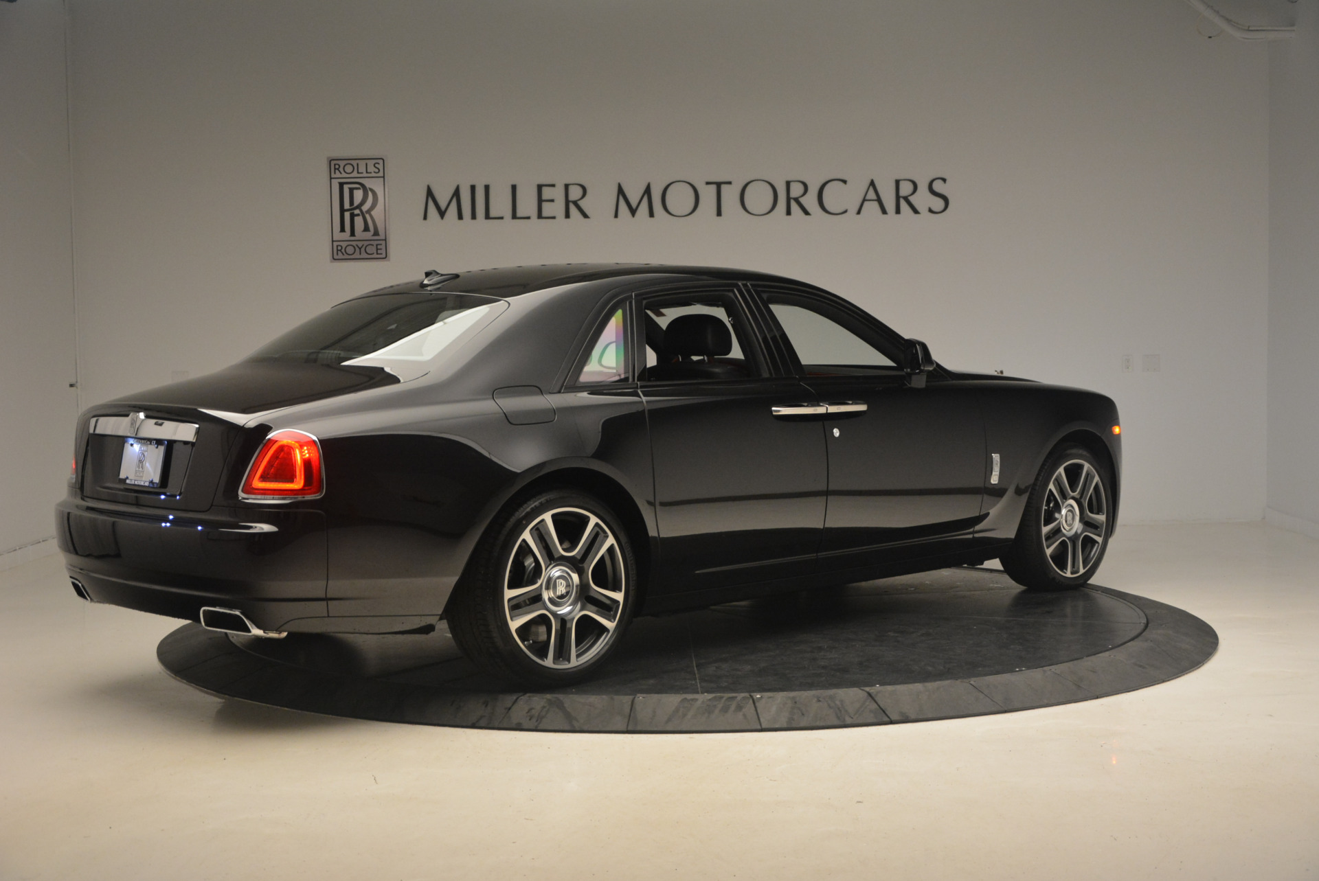 New 2017 Rolls-Royce Ghost  For Sale In Greenwich, CT 963_p8