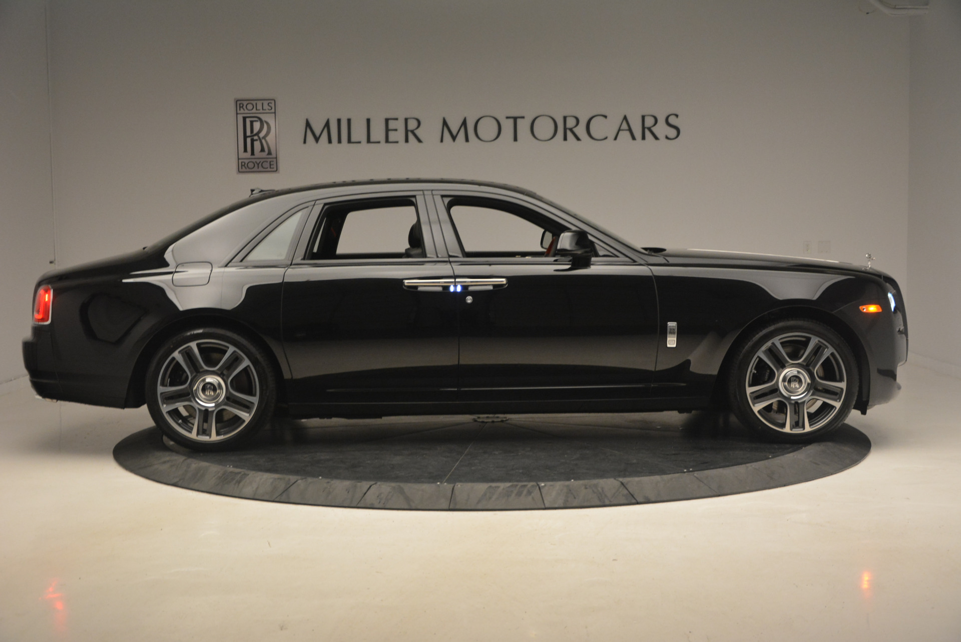 New 2017 Rolls-Royce Ghost  For Sale In Greenwich, CT 963_p9