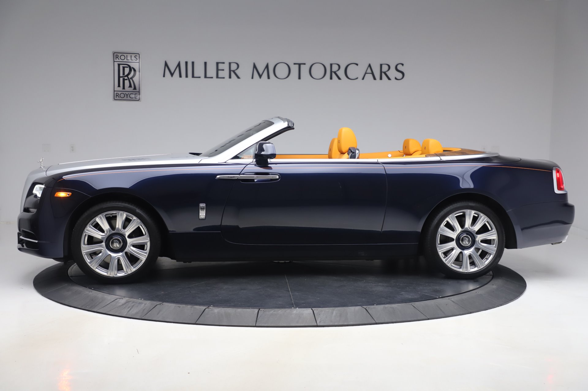 New 2017 Rolls-Royce Dawn  For Sale In Greenwich, CT 969_p4