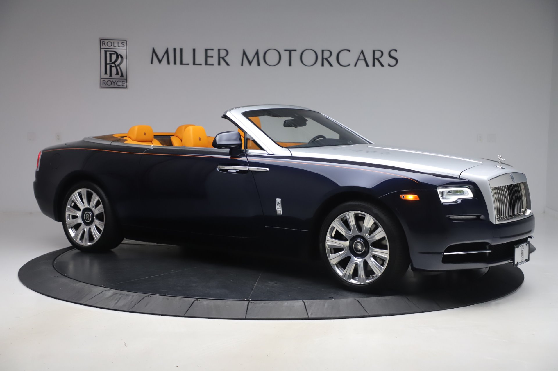 New 2017 Rolls-Royce Dawn  For Sale In Greenwich, CT 969_p9