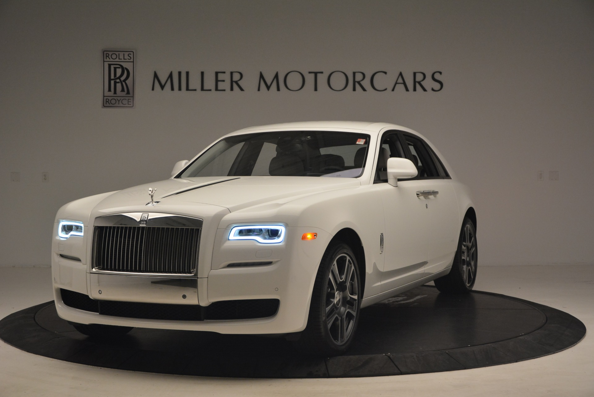 Used 2017 Rolls-Royce Ghost  For Sale In Greenwich, CT 971_main