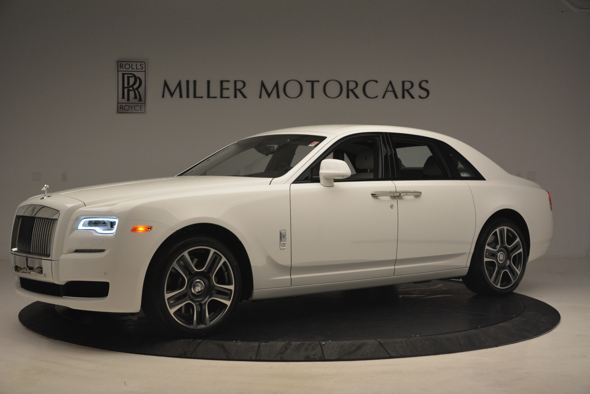 Used 2017 Rolls-Royce Ghost  For Sale In Greenwich, CT 971_p2