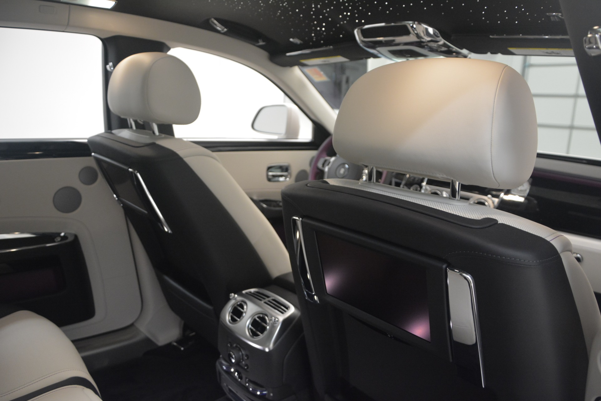 Used 2017 Rolls-Royce Ghost  For Sale In Greenwich, CT 971_p37