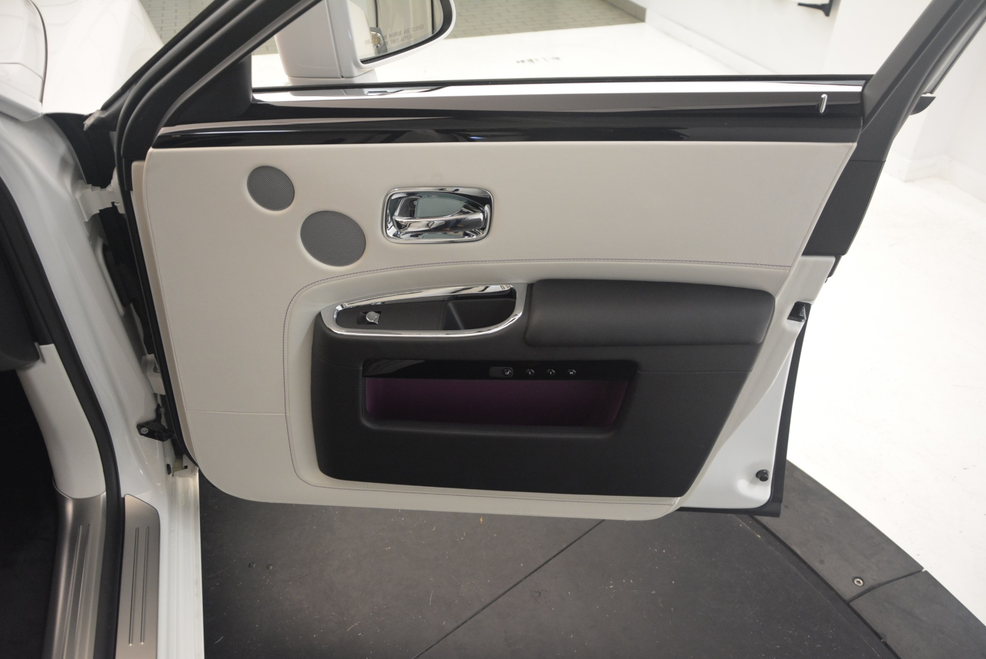 Used 2017 Rolls-Royce Ghost  For Sale In Greenwich, CT 971_p38