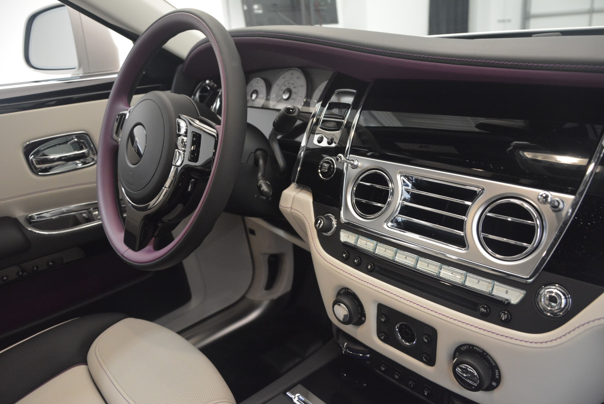 Used 2017 Rolls-Royce Ghost  For Sale In Greenwich, CT 971_p42