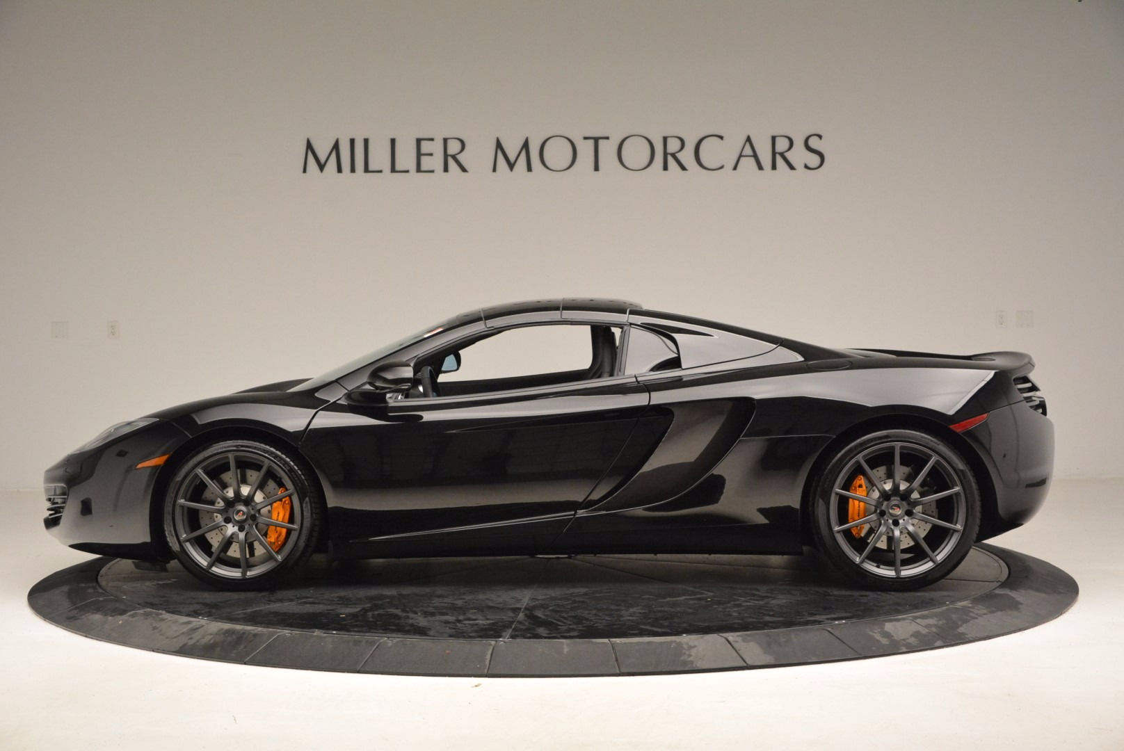 Used 2013 McLaren 12C Spider  For Sale In Greenwich, CT 973_p16