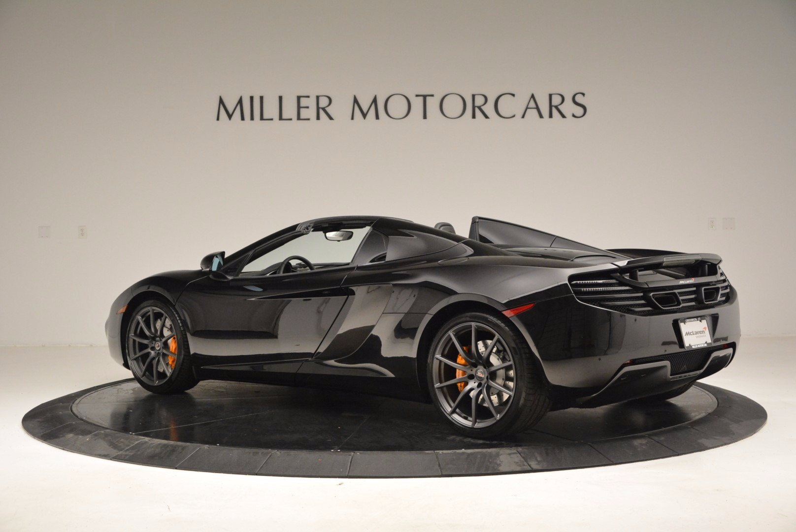 Used 2013 McLaren 12C Spider  For Sale In Greenwich, CT 973_p4