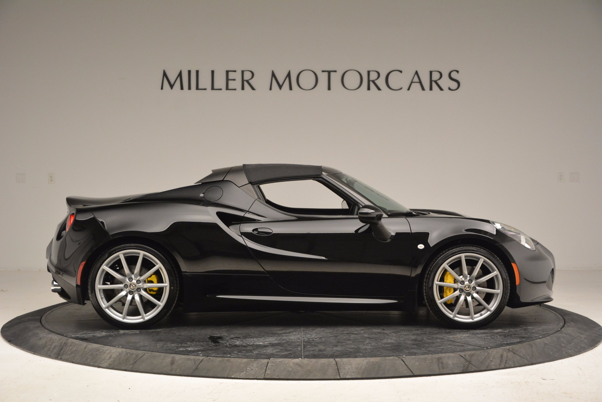New 2016 Alfa Romeo 4C Spider For Sale In Greenwich, CT 993_p21
