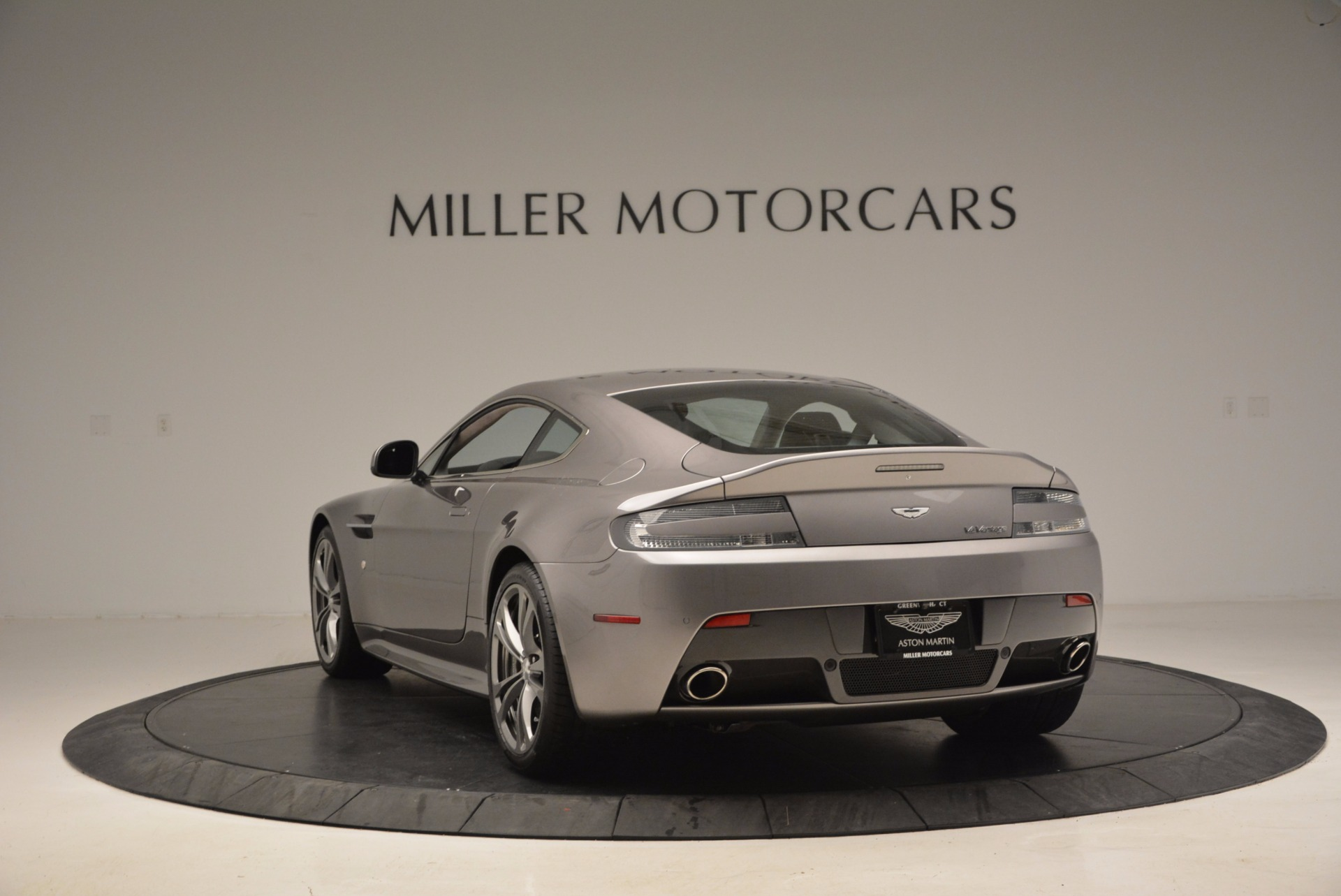 Used 2012 Aston Martin V12 Vantage  For Sale In Greenwich, CT 994_p5