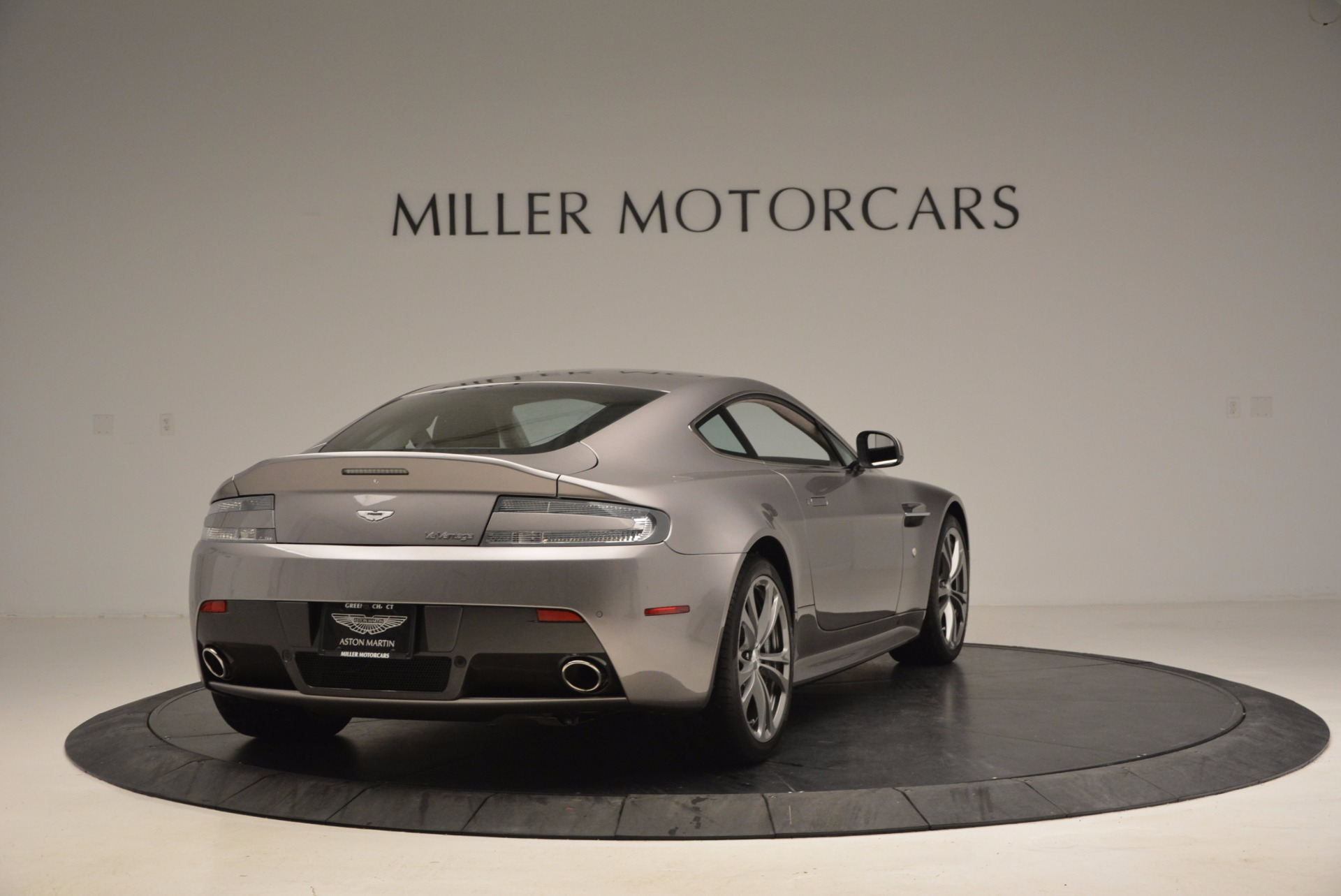 Used 2012 Aston Martin V12 Vantage  For Sale In Greenwich, CT 994_p7