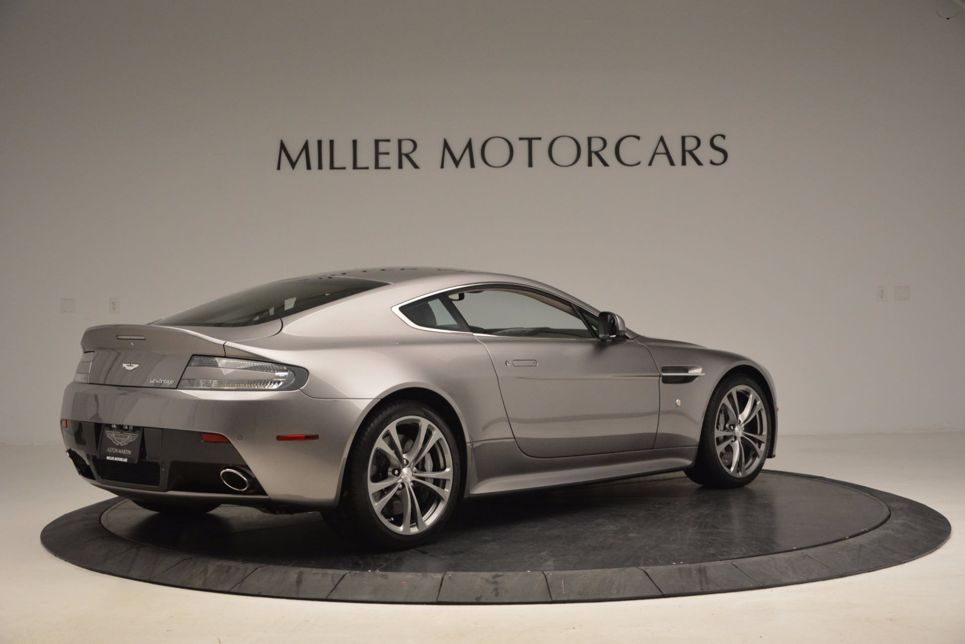 Used 2012 Aston Martin V12 Vantage  For Sale In Greenwich, CT 994_p8