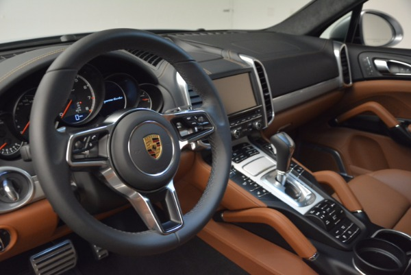 Used 2016 Porsche Cayenne Turbo for sale Sold at Bentley Greenwich in Greenwich CT 06830 21