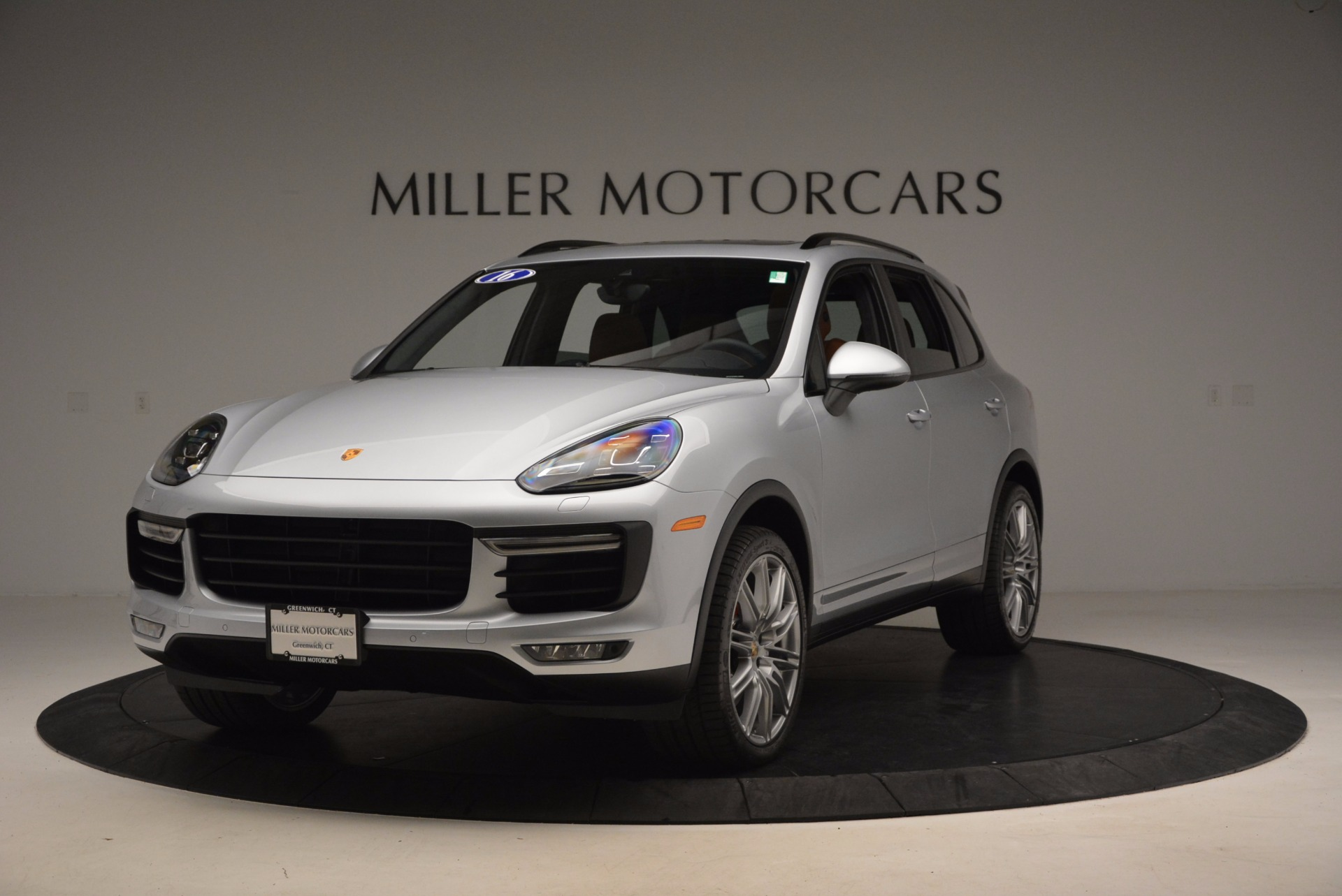 Used 2016 Porsche Cayenne Turbo for sale Sold at Bentley Greenwich in Greenwich CT 06830 1
