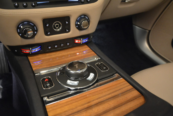 Used 2015 Rolls-Royce Wraith for sale $178,900 at Bentley Greenwich in Greenwich CT 06830 21