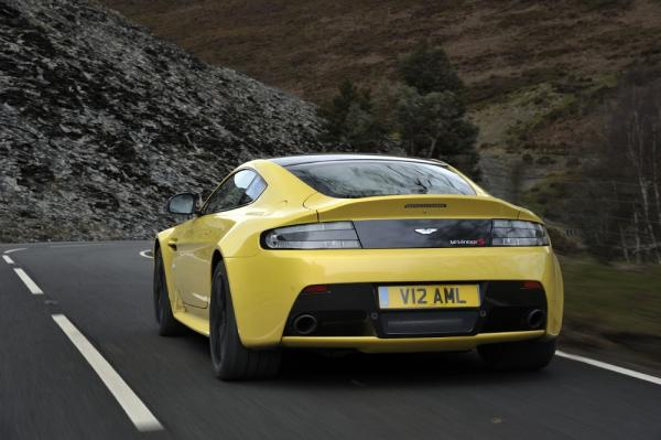 New 2017 Aston Martin V12 Vantage S for sale Sold at Bentley Greenwich in Greenwich CT 06830 6