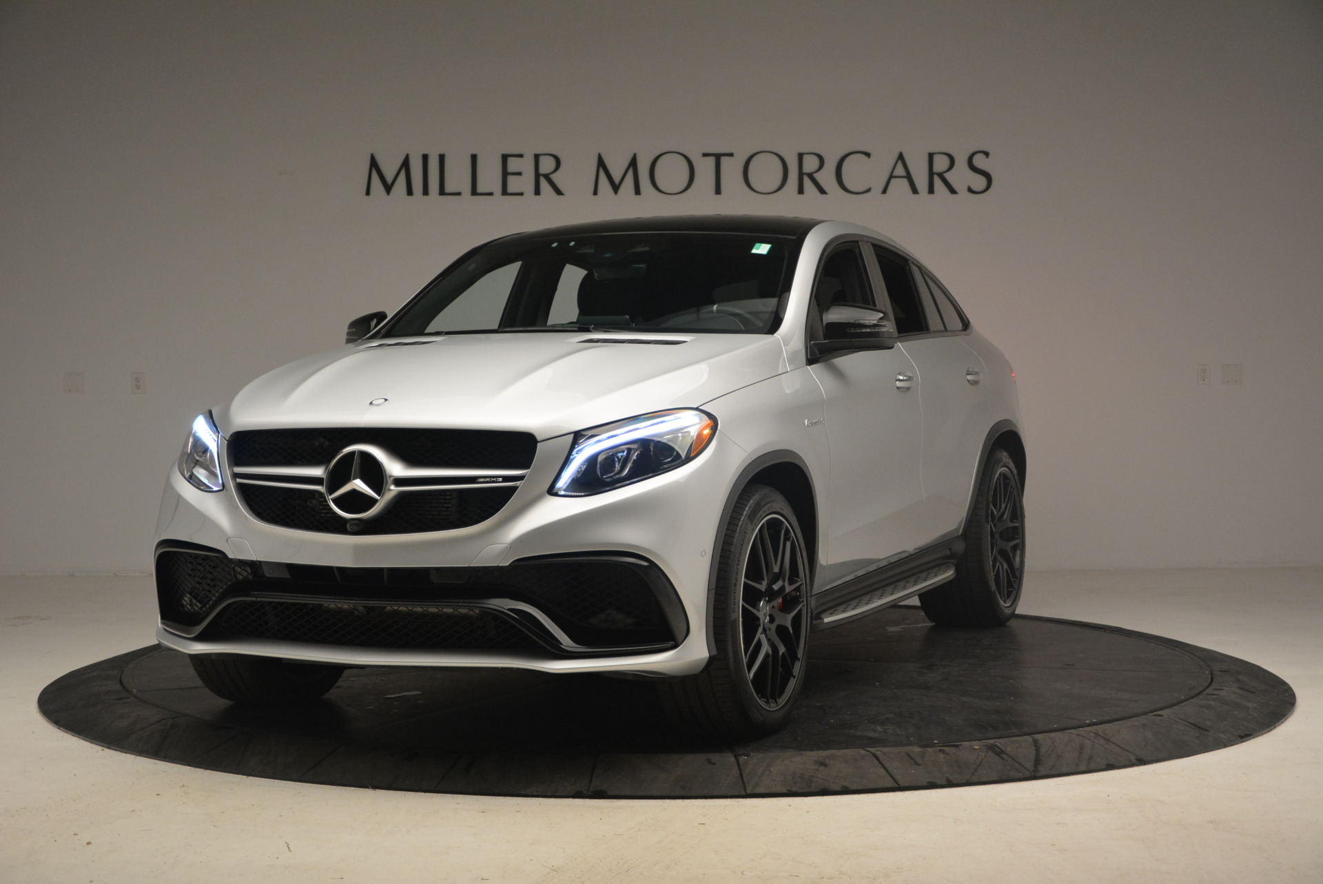 Used 2016 Mercedes Benz AMG GLE63 S for sale Sold at Bentley Greenwich in Greenwich CT 06830 1