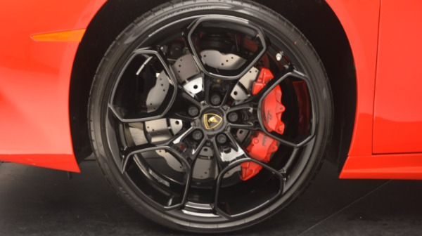 Used 2016 Lamborghini Huracan LP 580-2 for sale Sold at Bentley Greenwich in Greenwich CT 06830 17