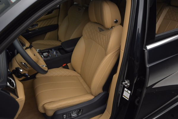 Used 2017 Bentley Bentayga W12 for sale Sold at Bentley Greenwich in Greenwich CT 06830 18