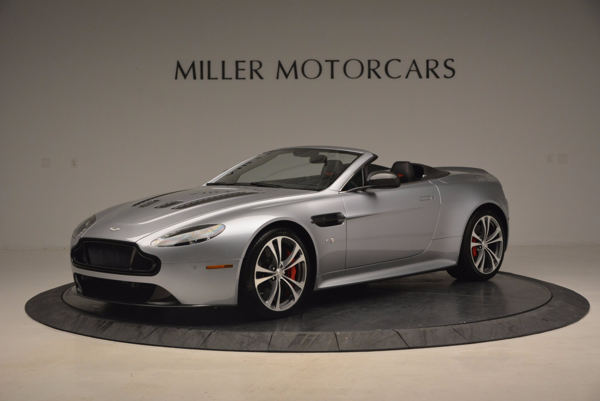 Used 2015 Aston Martin V12 Vantage S Roadster for sale Sold at Bentley Greenwich in Greenwich CT 06830 1